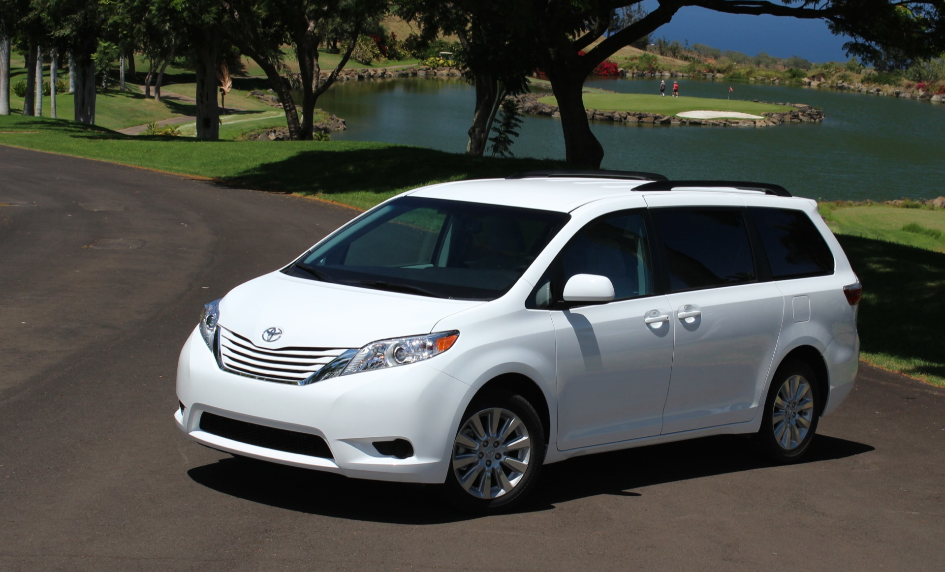 Acura Of Boston >> 2015 Toyota Sienna Review, Ratings, Specs, Prices, and Photos - The Car Connection