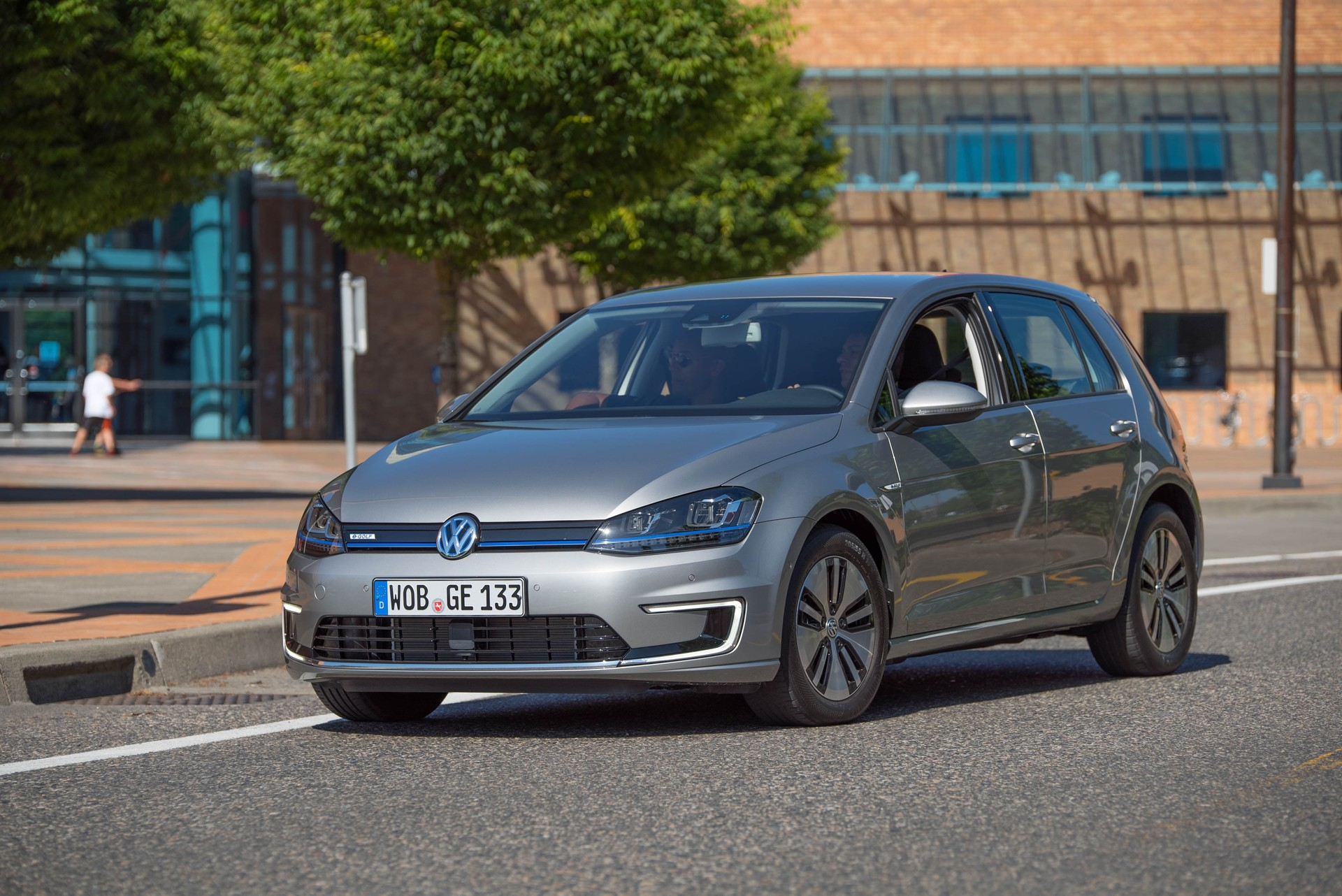 Vw to spend 10 million on electric car charging sites for Credit auto garage volkswagen