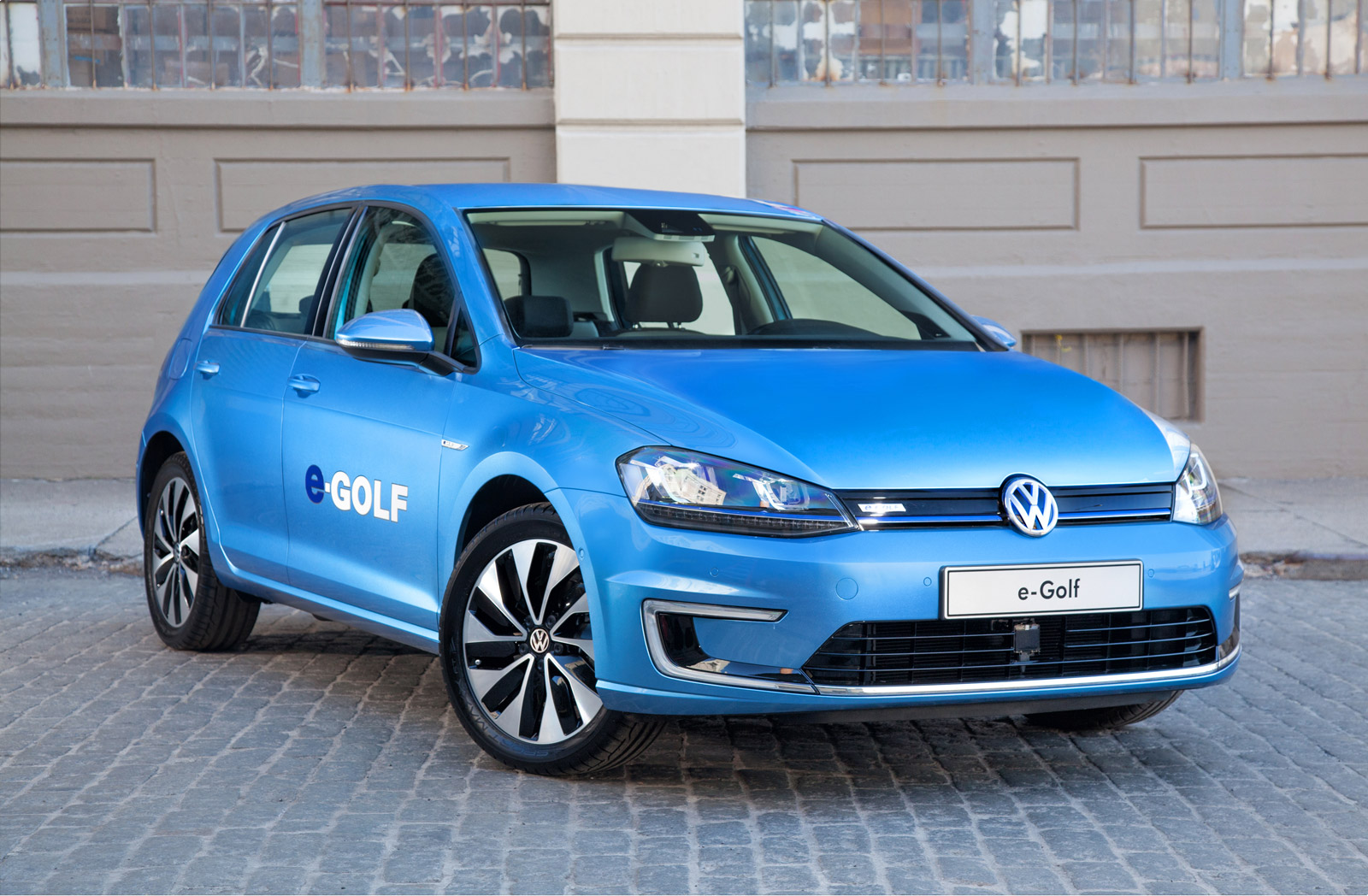 2015 volkswagen e golf rated at 83 miles range 116 mpge. Black Bedroom Furniture Sets. Home Design Ideas
