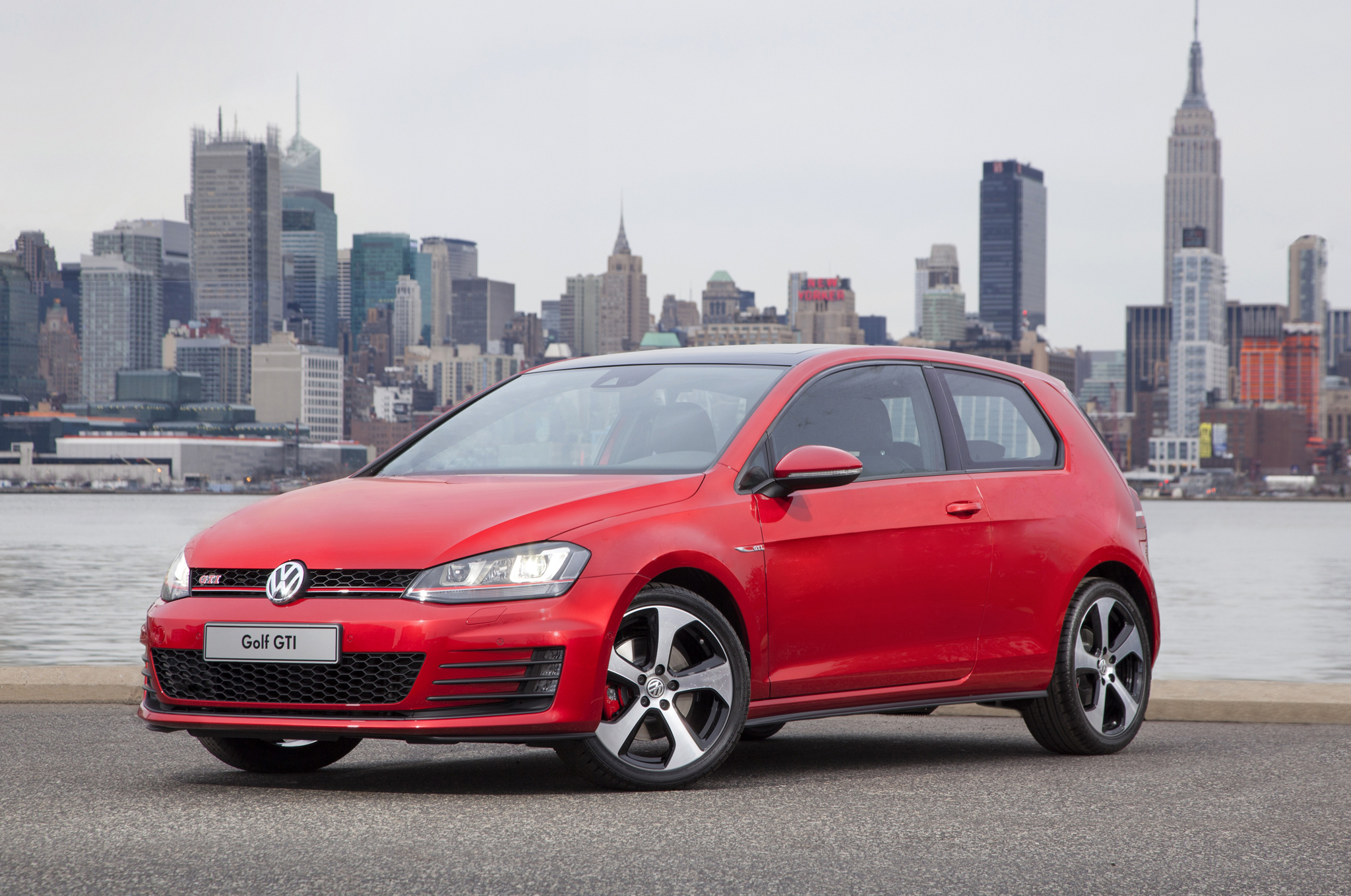 the motoring world 2016 golf sportwagen jetta and gti. Black Bedroom Furniture Sets. Home Design Ideas
