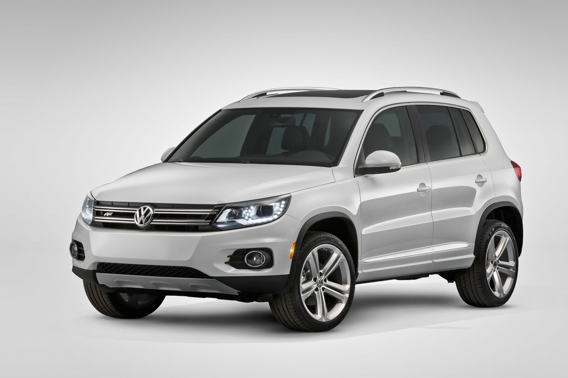 2016 volkswagen tiguan vw review ratings specs prices and photos the car connection. Black Bedroom Furniture Sets. Home Design Ideas