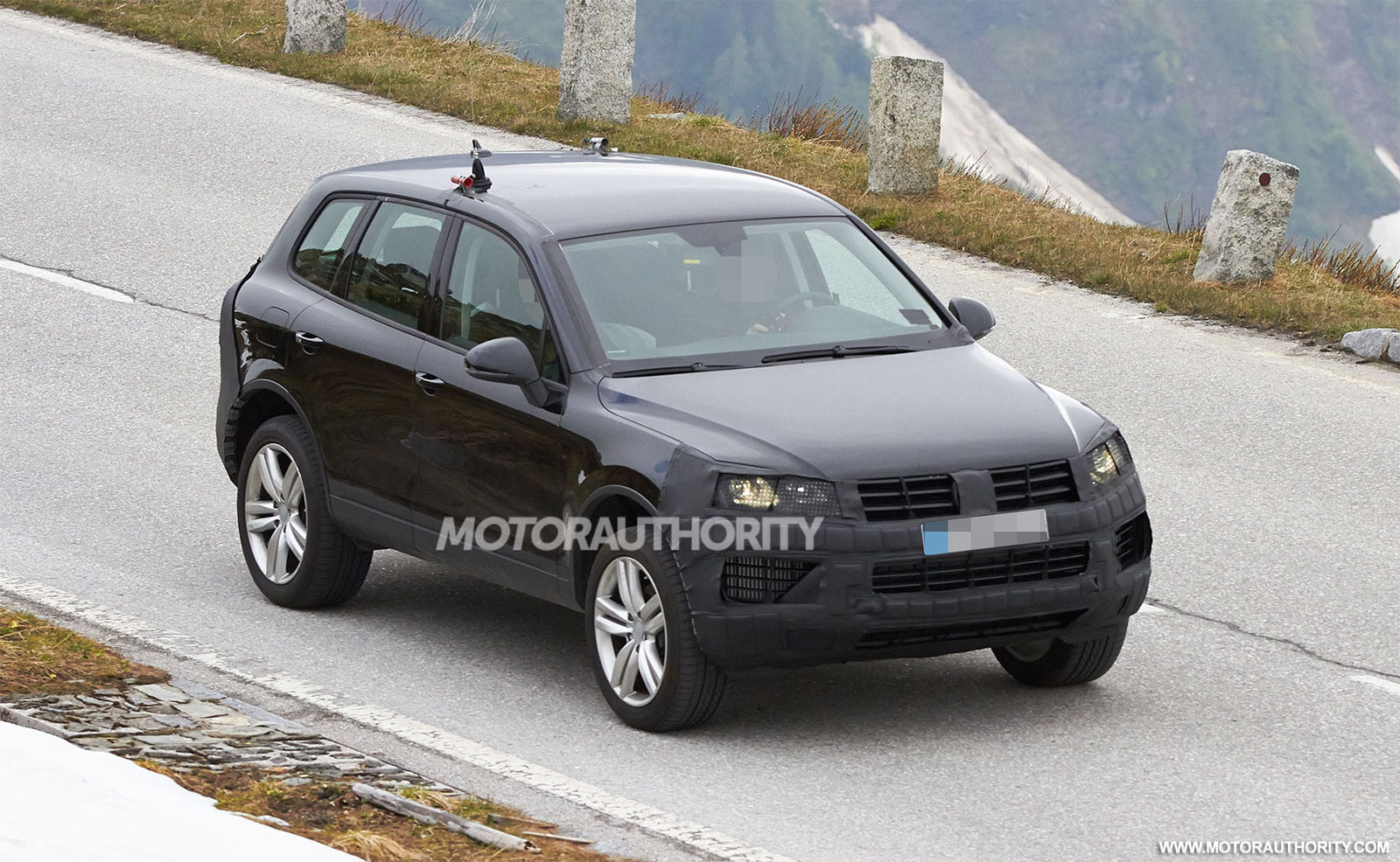 2015 volkswagen touareg spy shots. Black Bedroom Furniture Sets. Home Design Ideas
