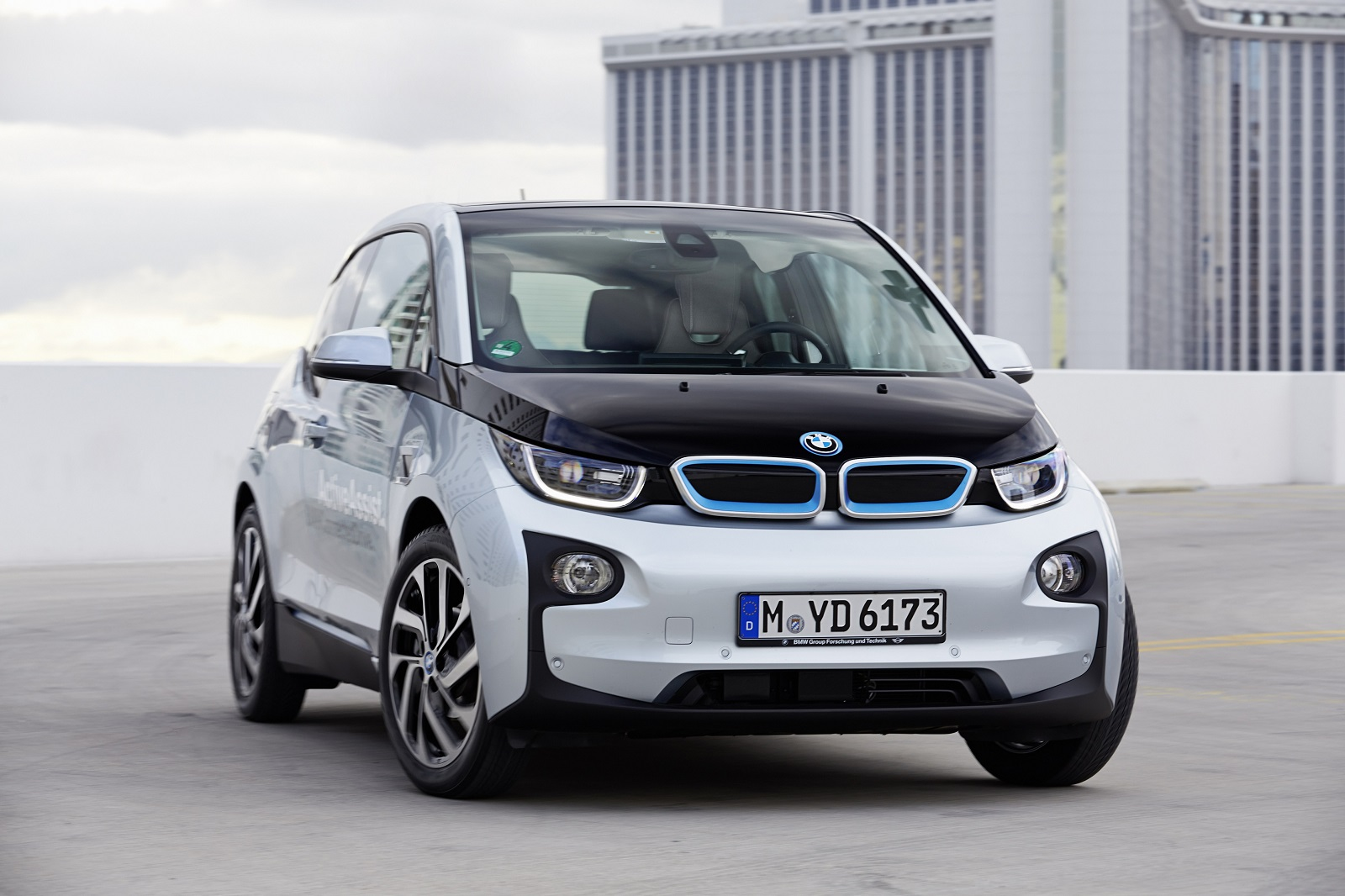 2016 bmw i3 gas mileage the car connection. Black Bedroom Furniture Sets. Home Design Ideas