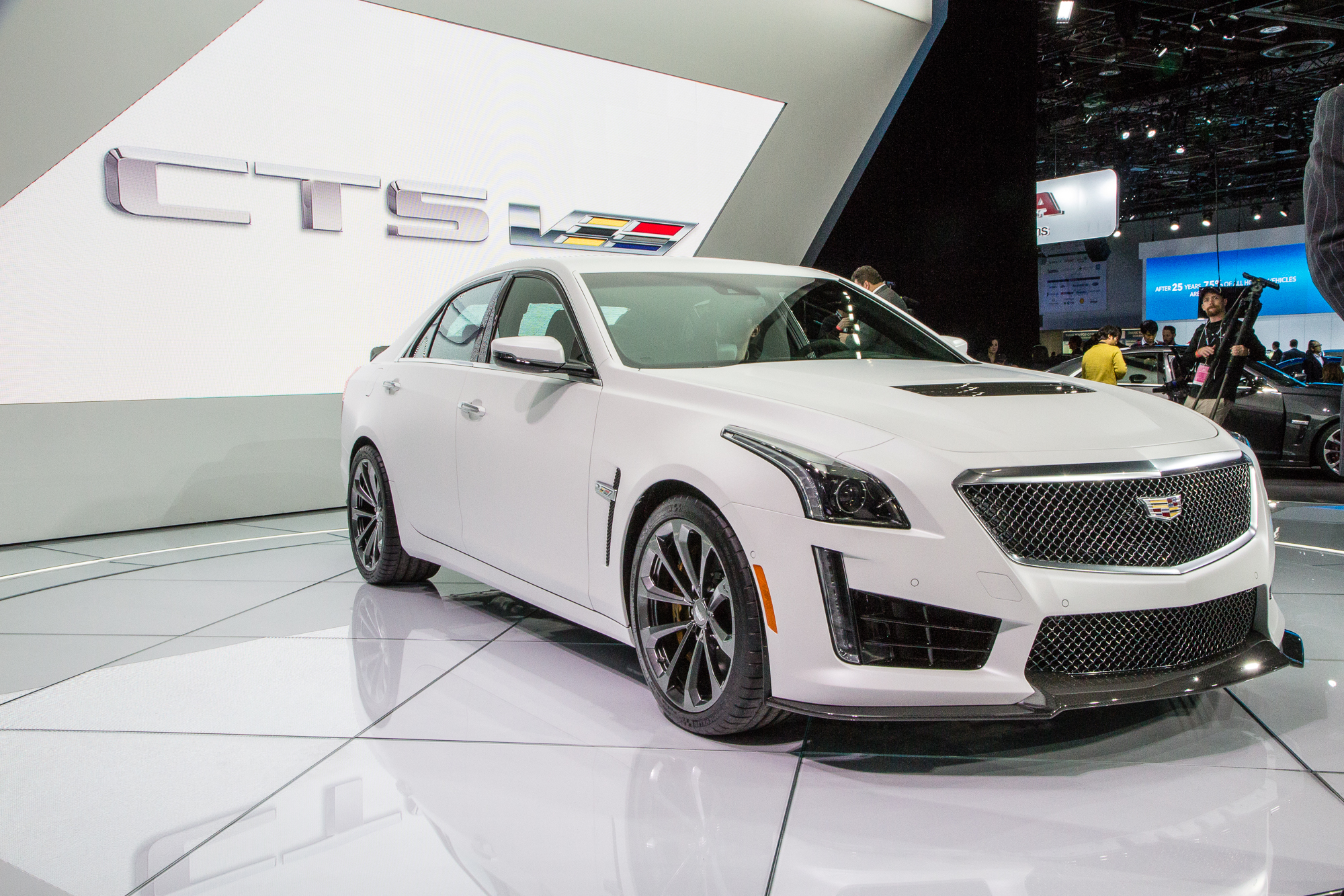 2016 Cadillac Cts V Priced From 84 990 Starts Sales This