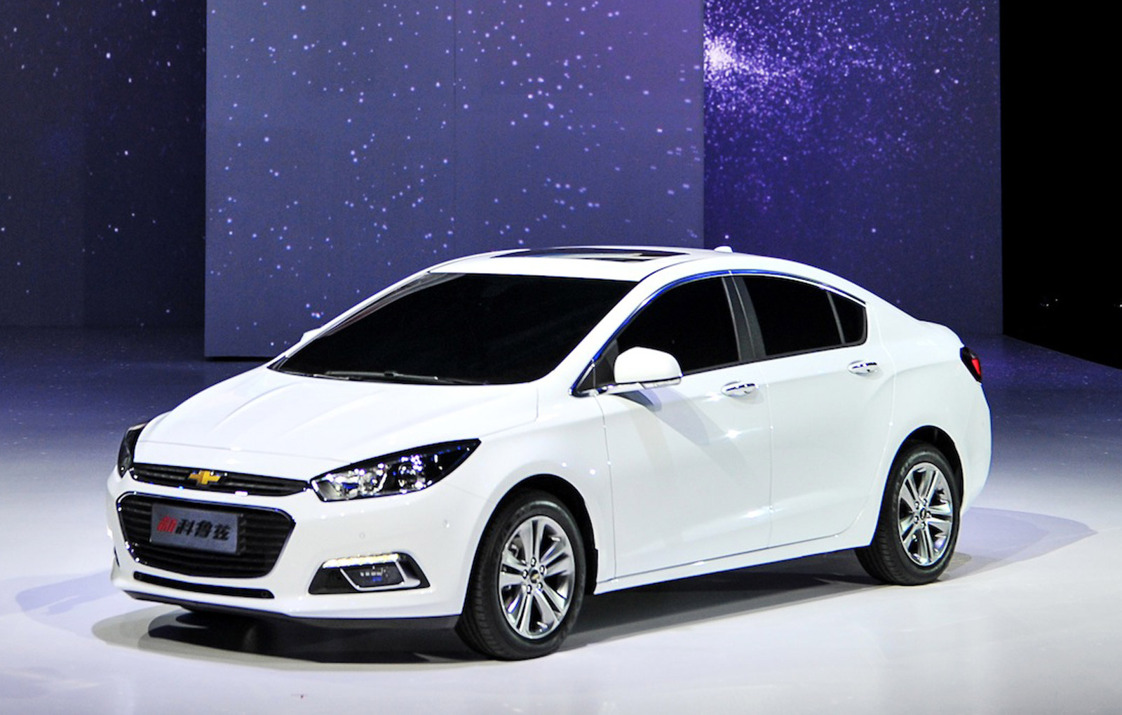 2016 chevrolet cruze sedan unveiled at beijing auto show. Black Bedroom Furniture Sets. Home Design Ideas