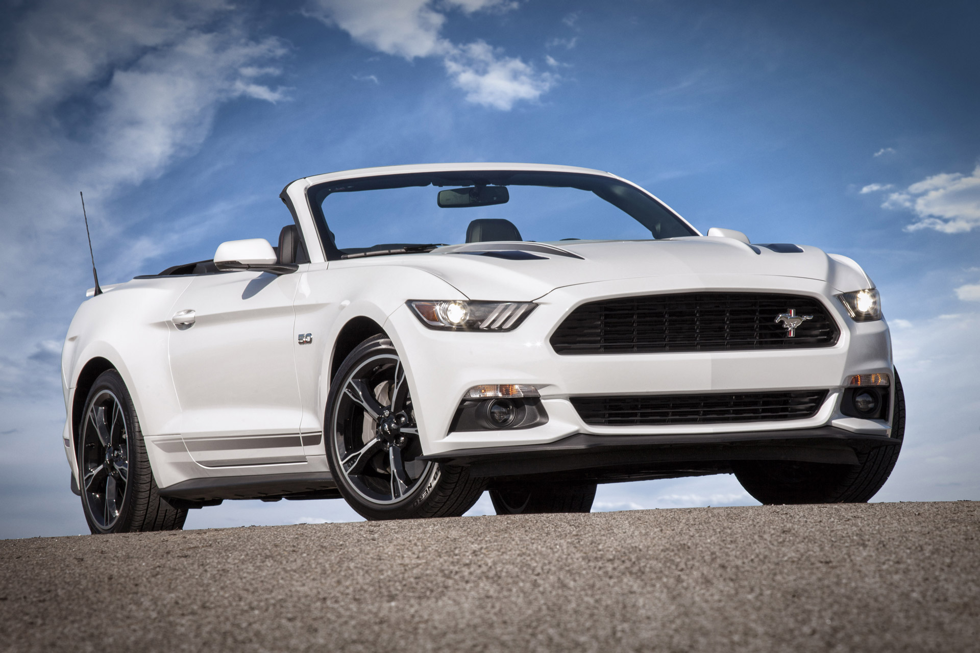 2016 ford mustang gets minor updates california special. Black Bedroom Furniture Sets. Home Design Ideas