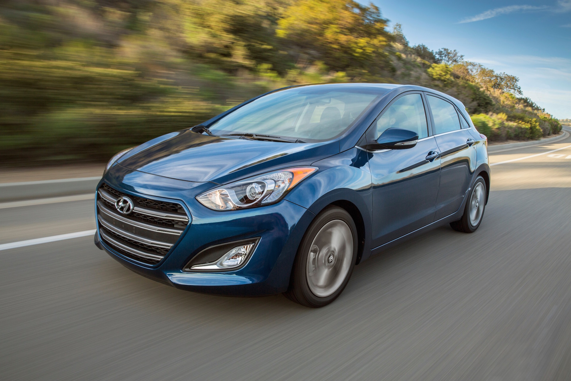 2016 hyundai elantra gt review ratings specs prices and photos the car connection. Black Bedroom Furniture Sets. Home Design Ideas