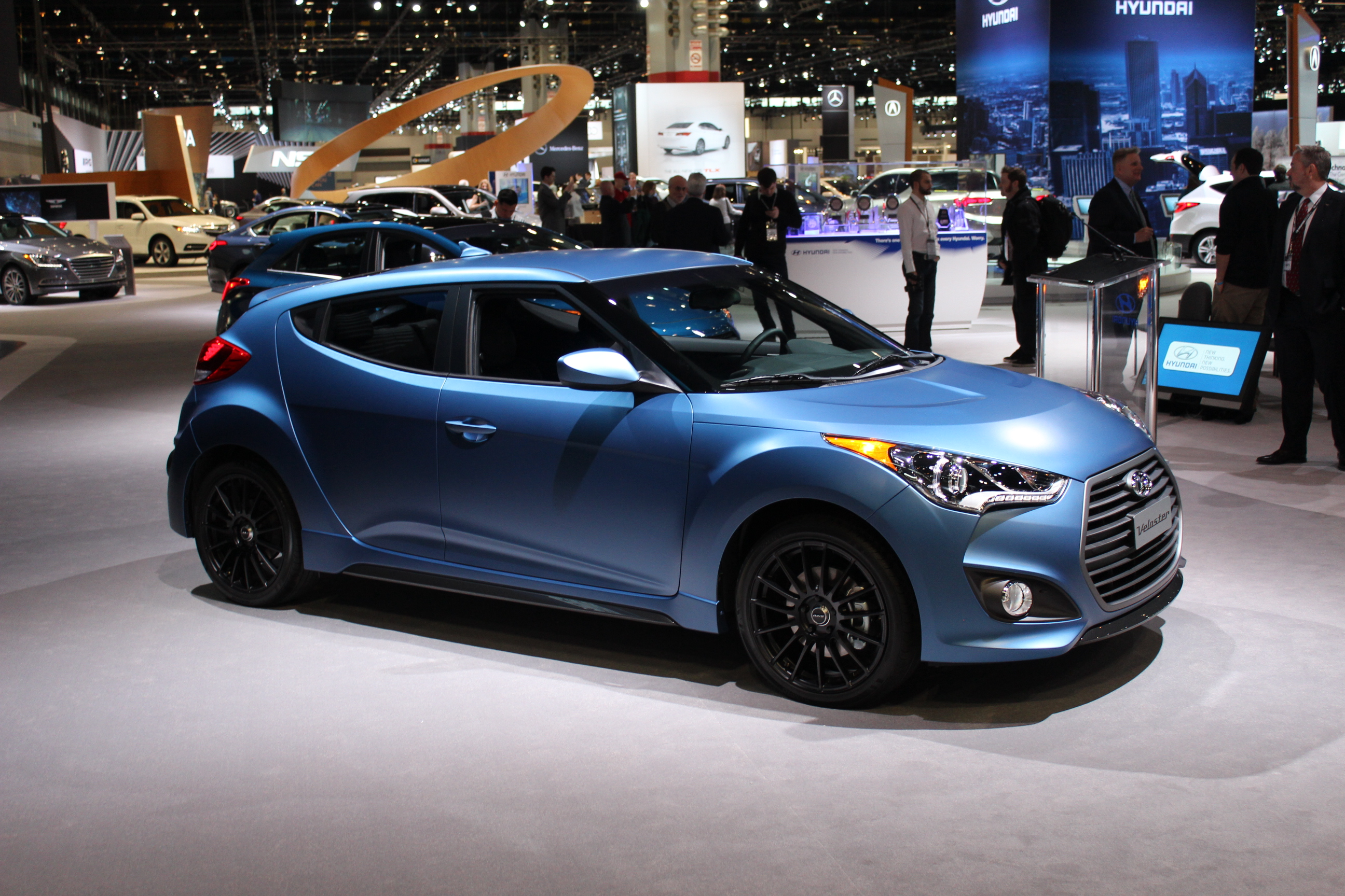 2016 hyundai veloster rally edition live at the 2015 chicago auto show. Black Bedroom Furniture Sets. Home Design Ideas