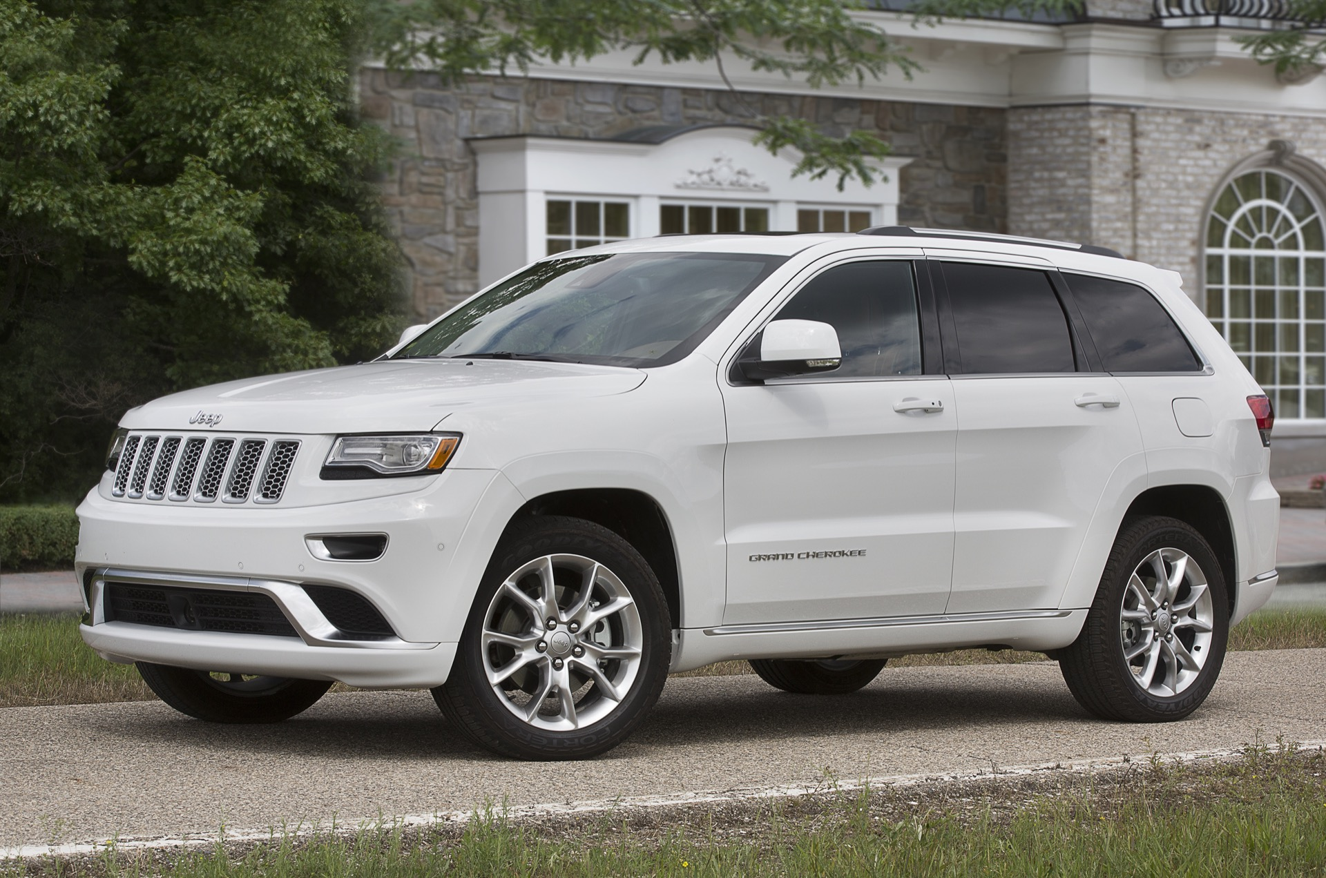 new and used jeep grand cherokee prices photos reviews specs the car connection. Black Bedroom Furniture Sets. Home Design Ideas