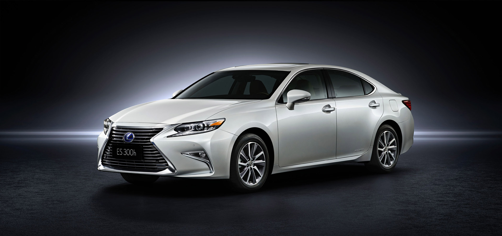 2016 lexus es debuts with new look at shanghai auto show. Black Bedroom Furniture Sets. Home Design Ideas
