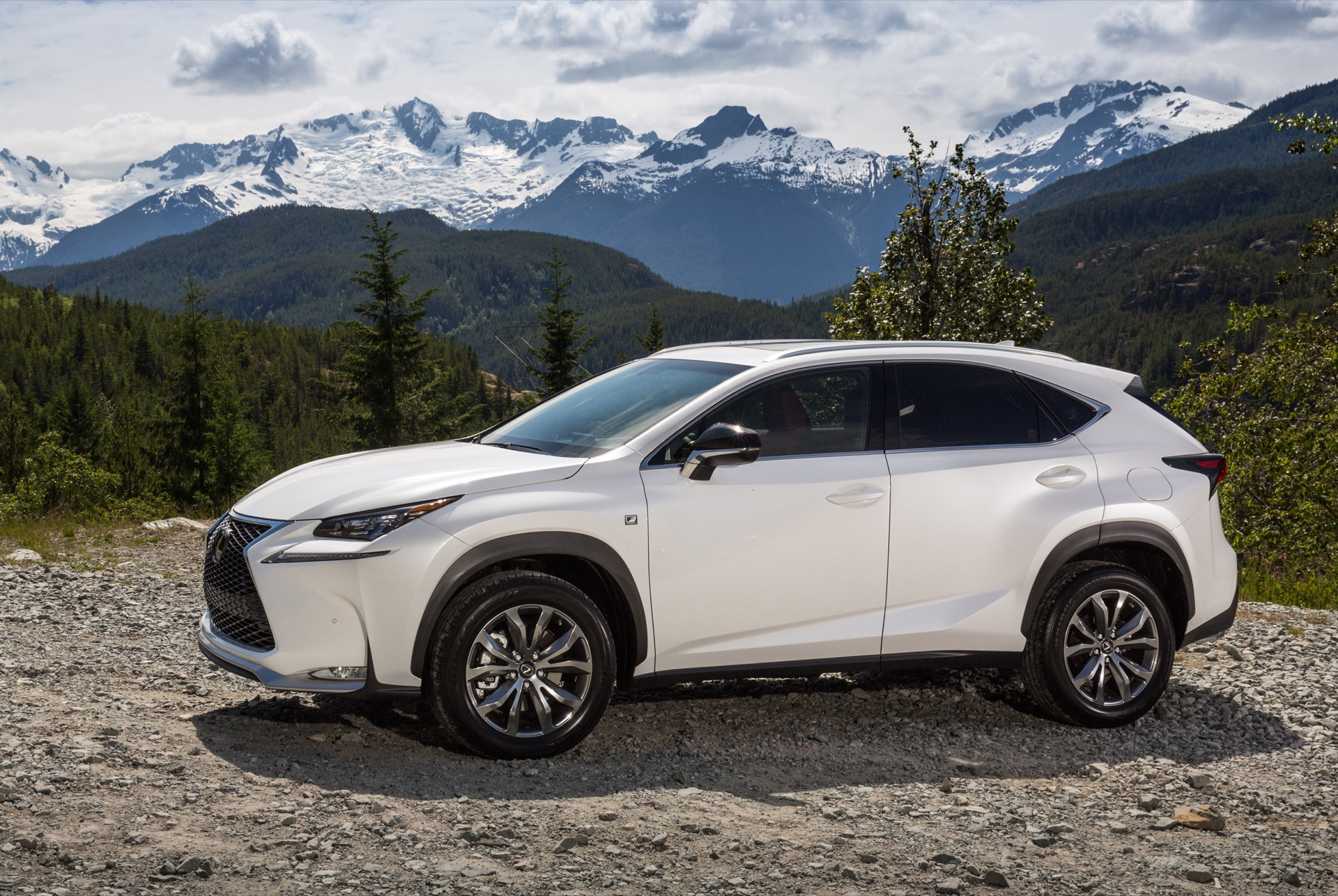 2016 Lexus Nx Features Review The Car Connection