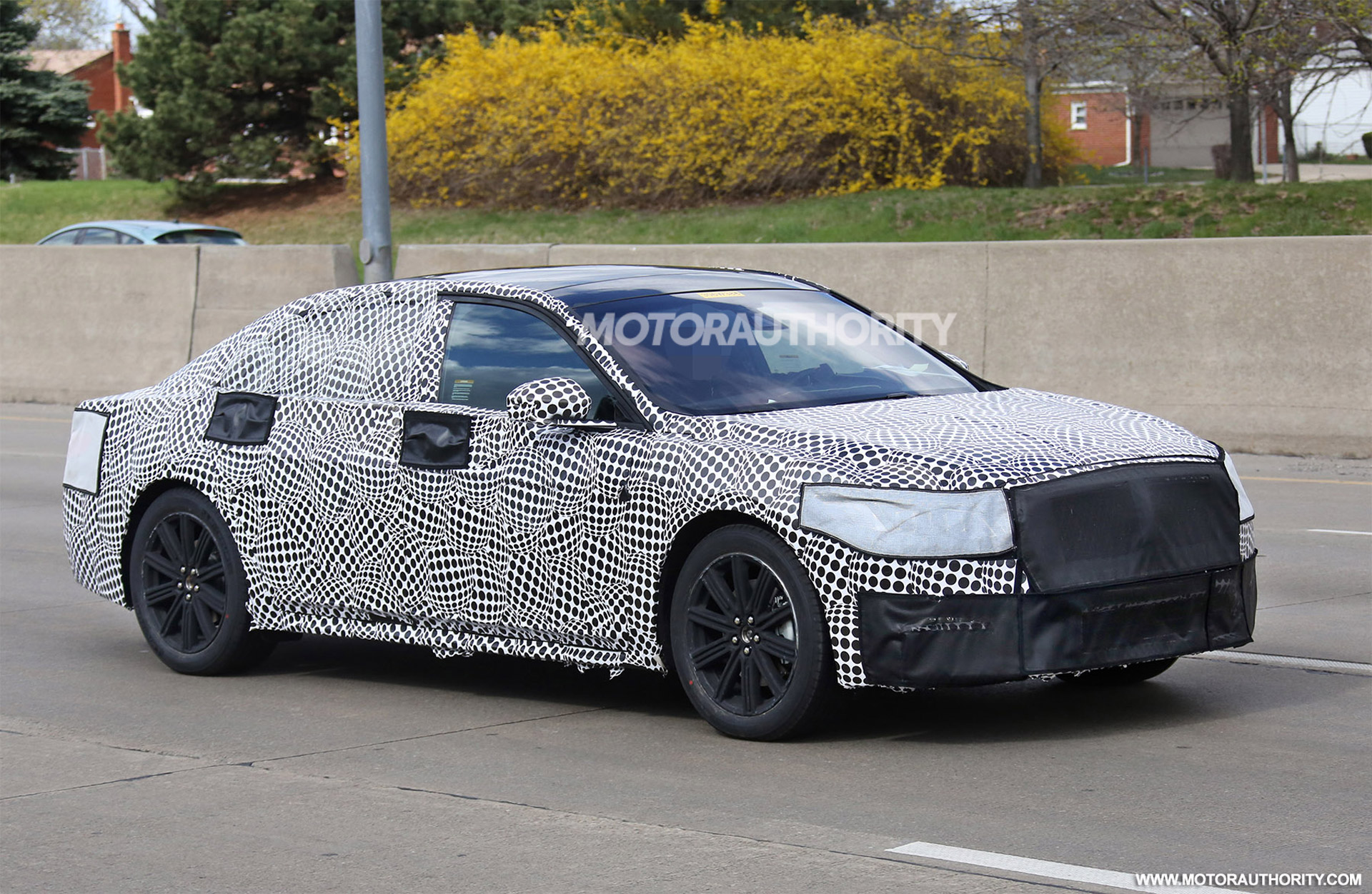 2016 - [Lincoln] Continental 2016-lincoln-continental-spy-shots--image-via-s-baldauf-sb-medien_100508900_h
