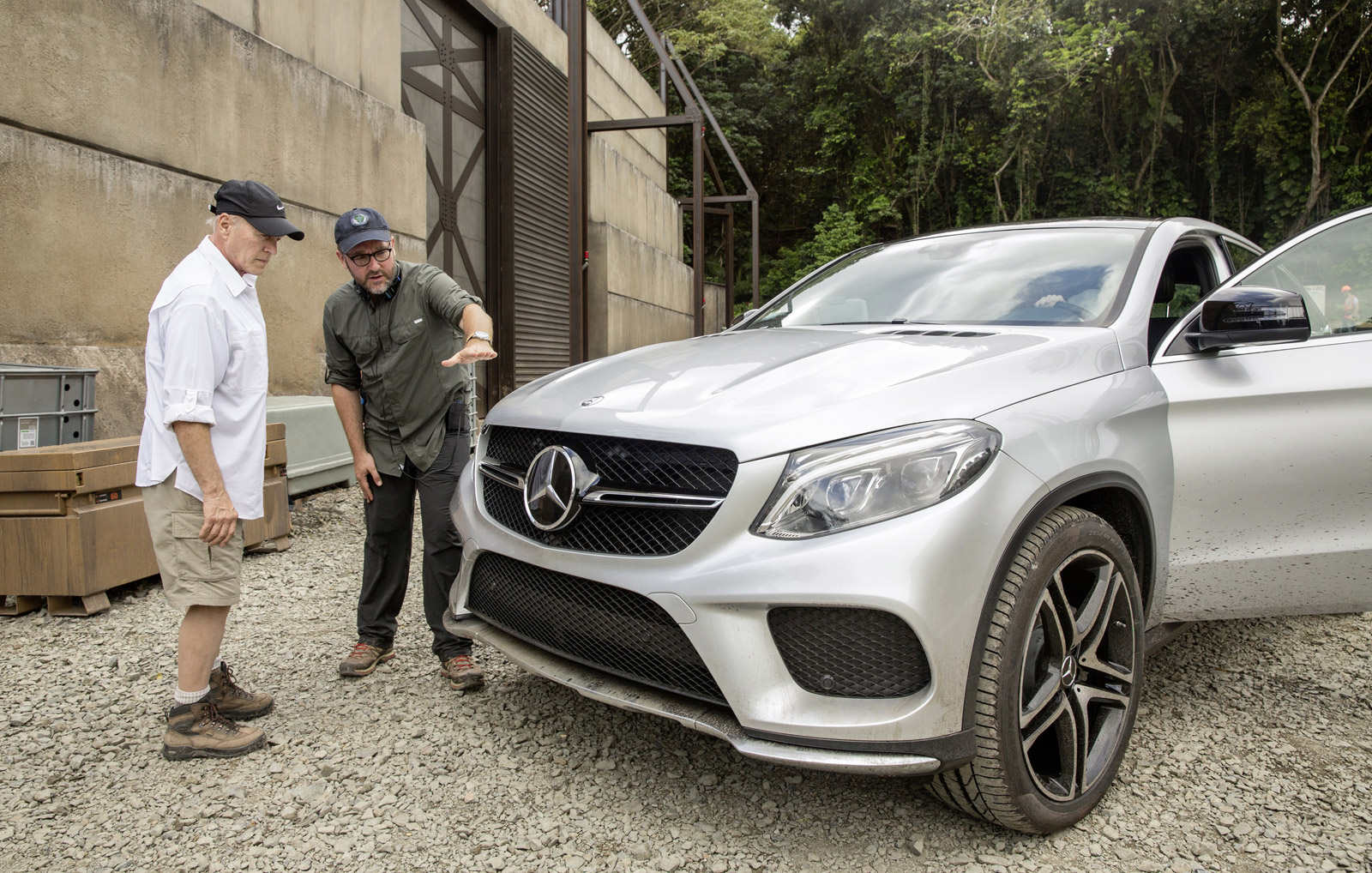 mercedes confirms gle coupe for 39 jurassic world 39 teases. Black Bedroom Furniture Sets. Home Design Ideas
