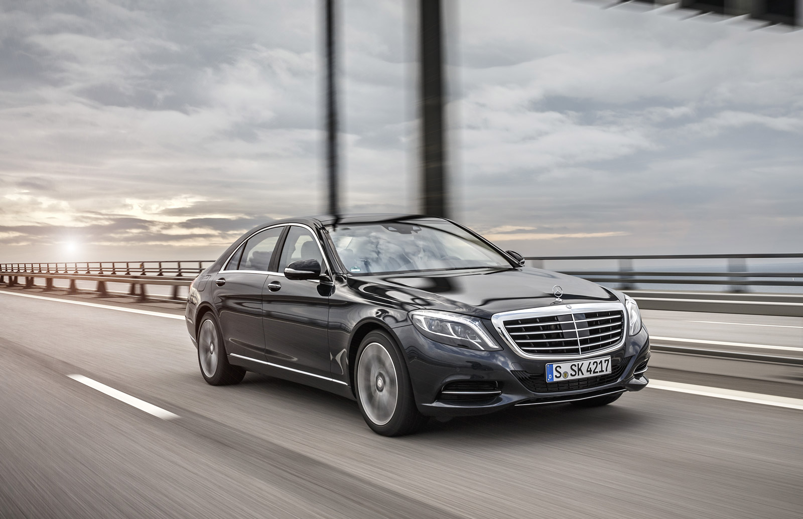 Luxury plug in hybrids may be a mistake says german for Mercedes benz com connect