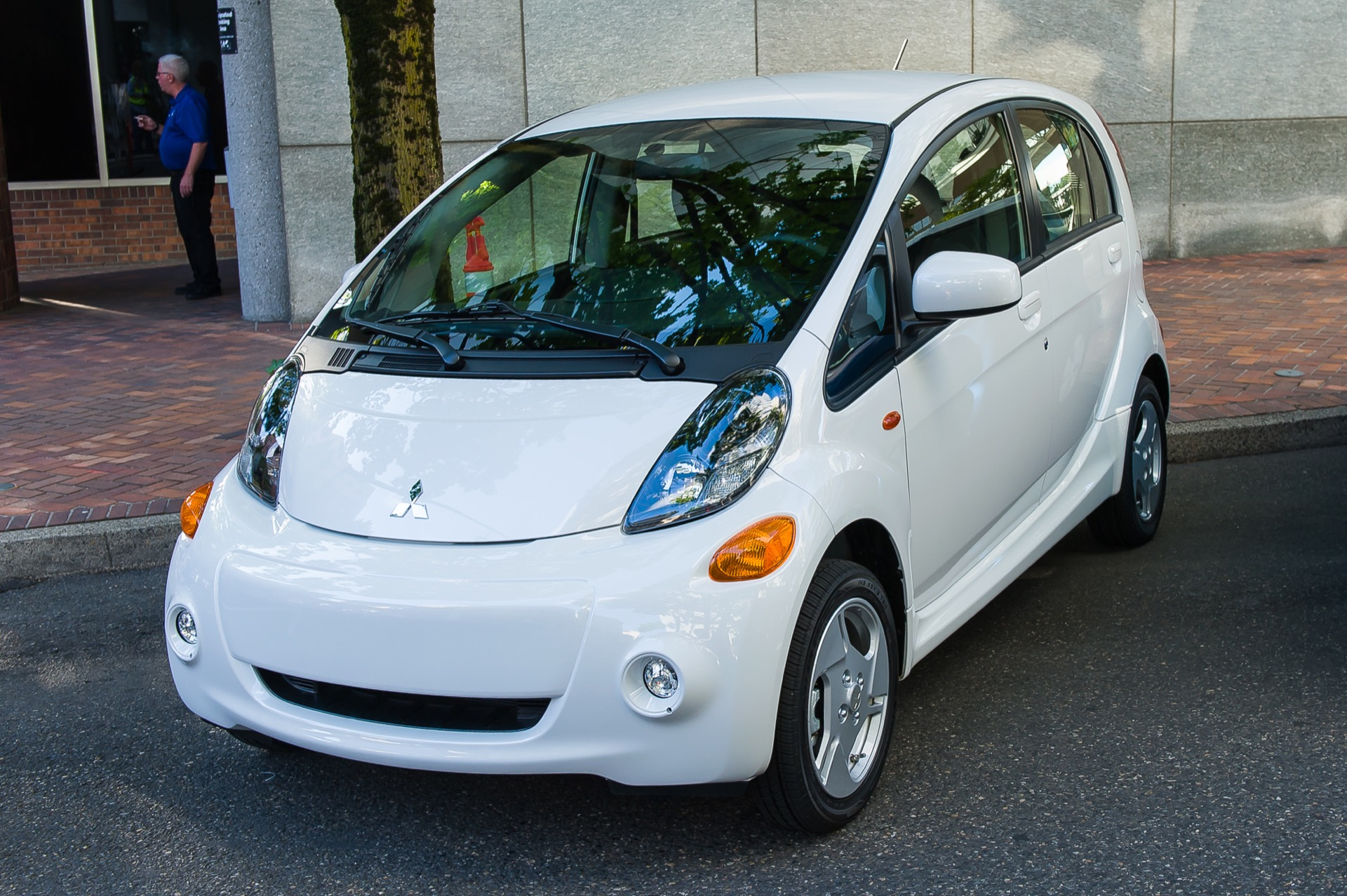2016 mitsubishi i miev drive report of 62 mile electric. Black Bedroom Furniture Sets. Home Design Ideas