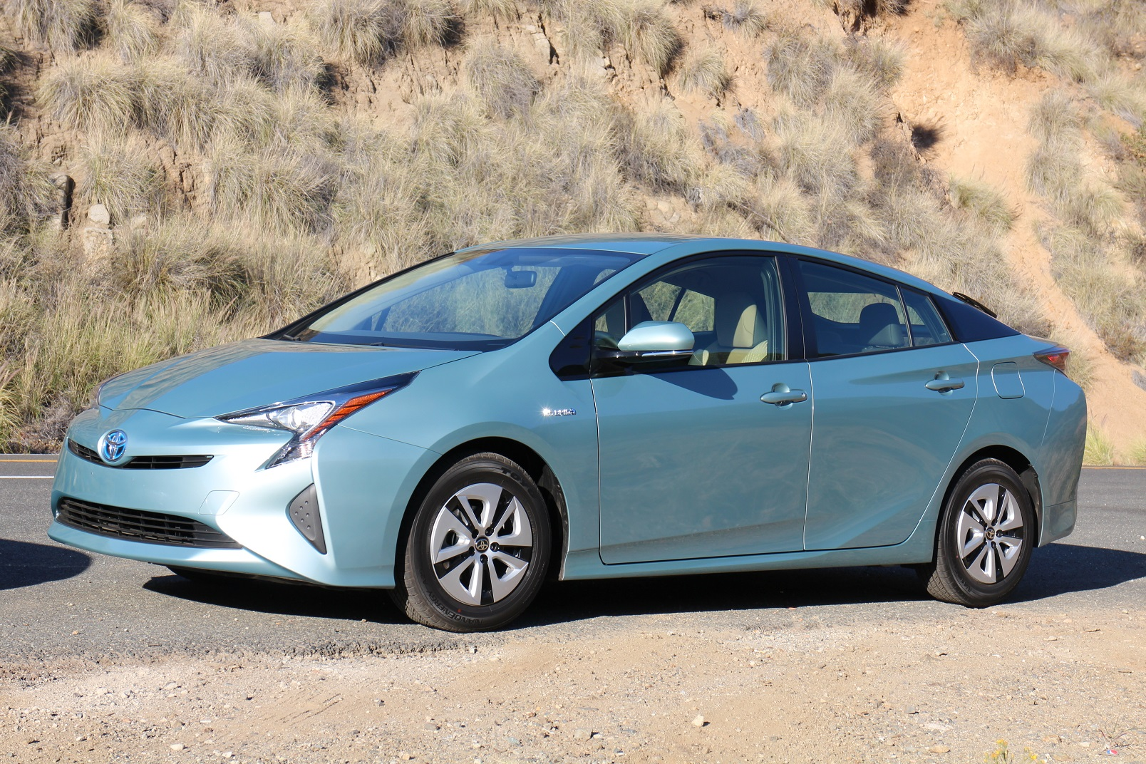 2016 toyota prius first drive of 56 mpg hybrid page 3. Black Bedroom Furniture Sets. Home Design Ideas