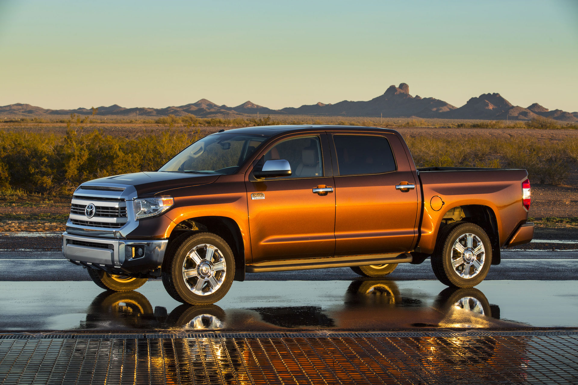 2016 toyota tundra gas mileage   the car connection