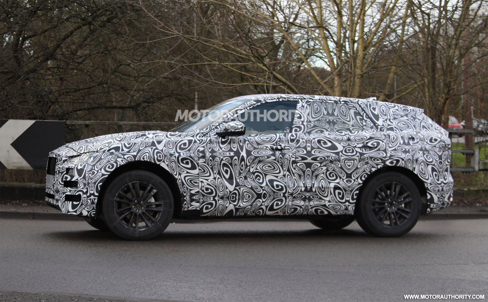 Jaguar F-Pace Spied, Lamborghini Aventador SV Leaked, 'Furious 7' Teased: Today's Car News