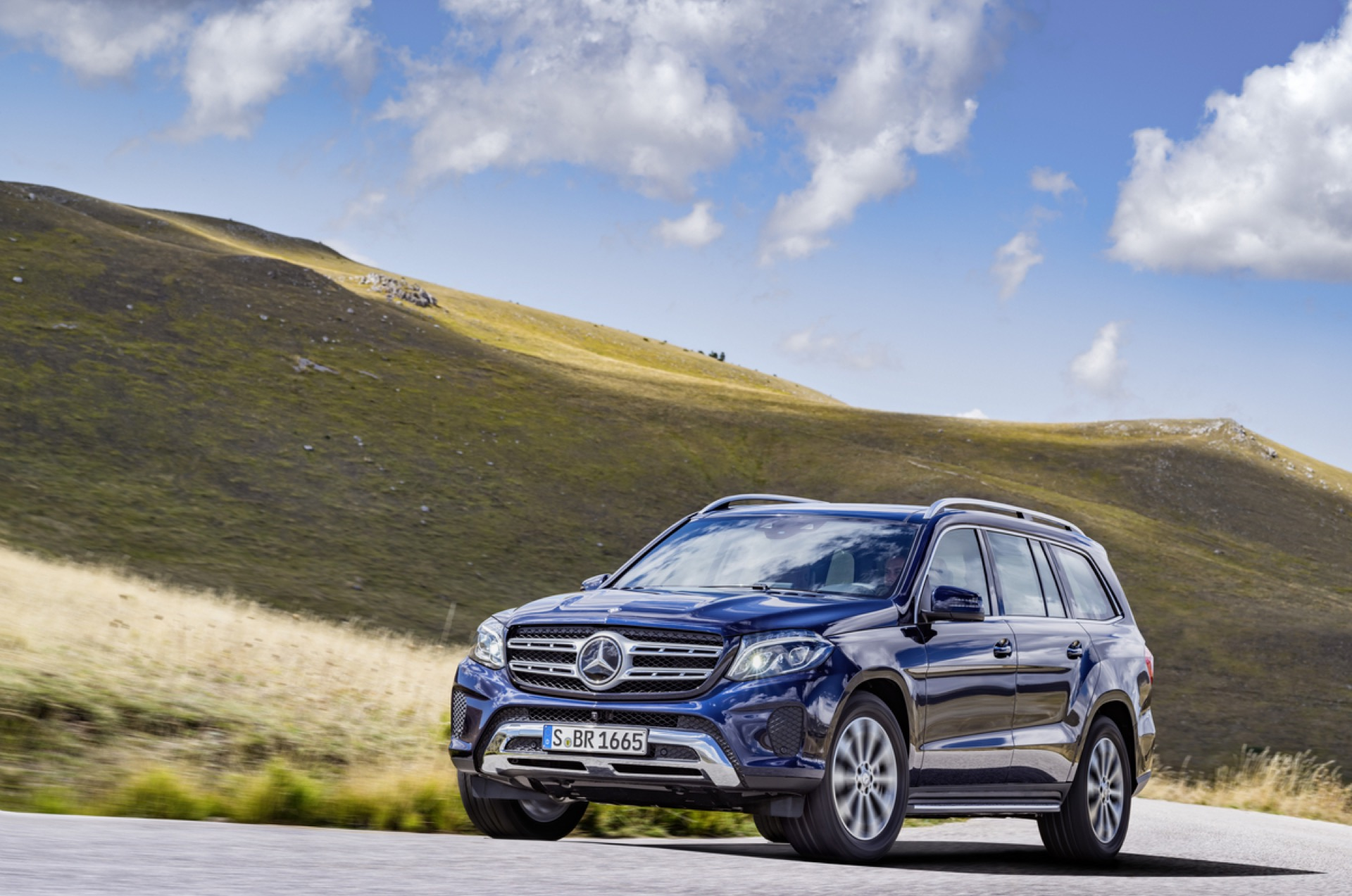 mercedes benz gls class photos prices reviews specs mpg green car reports. Black Bedroom Furniture Sets. Home Design Ideas