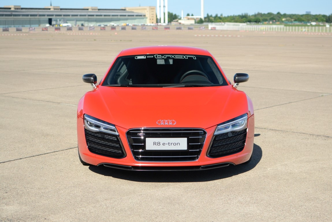Audi 39 s e tron plug in and electric cars ultimate guide for Used cars airport motor mile