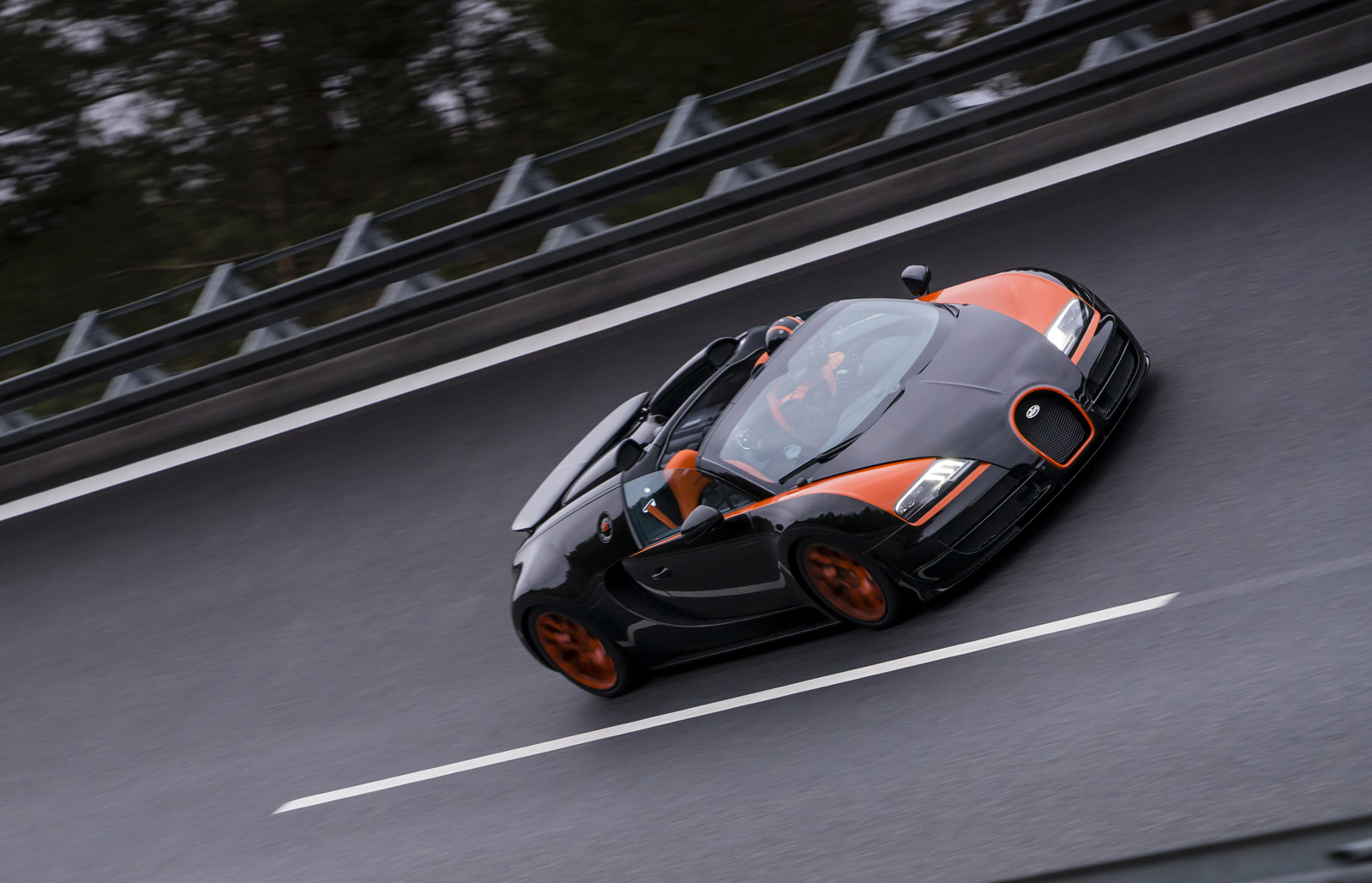 mclaren can am veyron vitesse record 10 speed dsg today 39 s car news. Black Bedroom Furniture Sets. Home Design Ideas