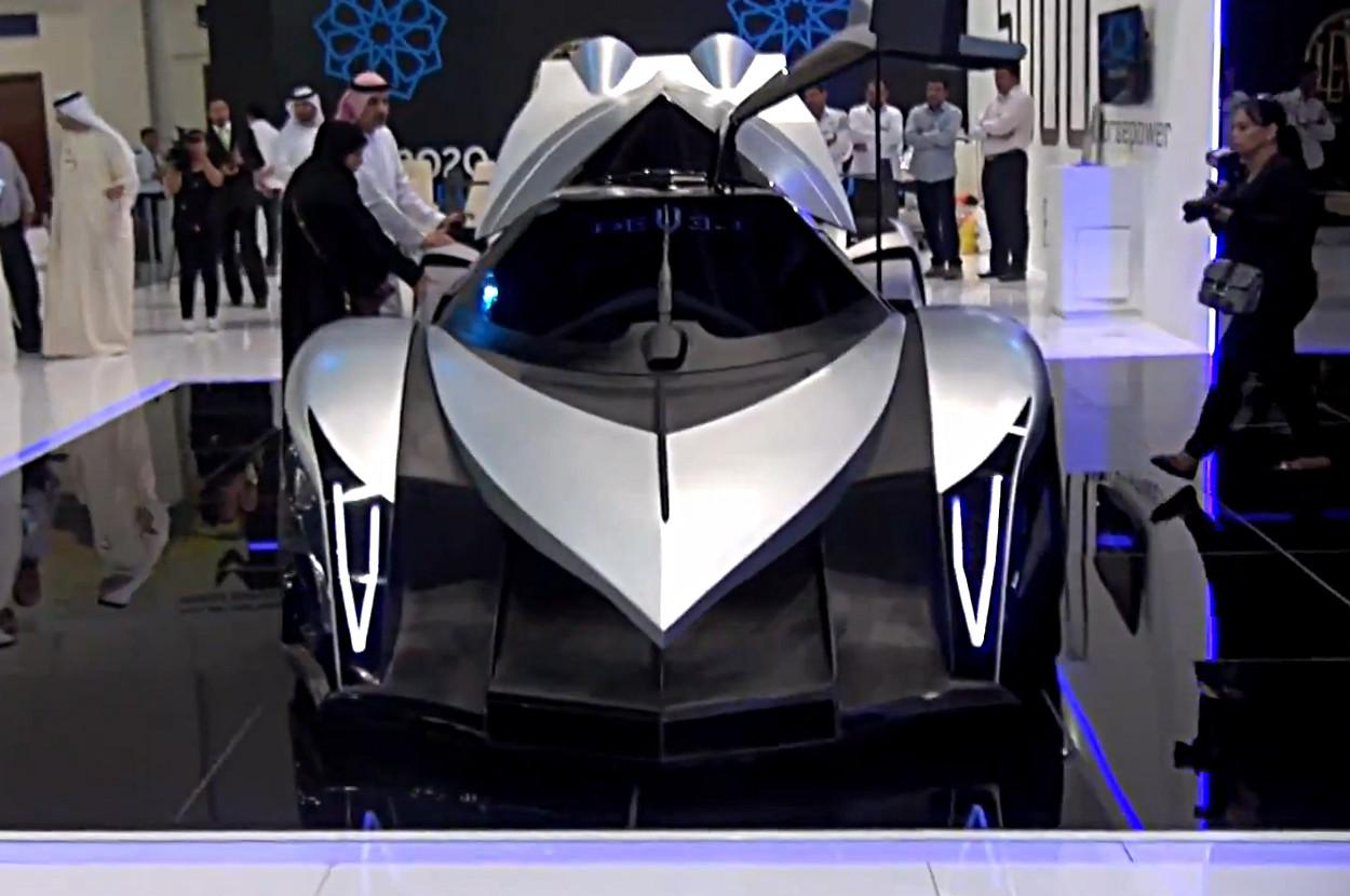 Devel Sixteen Claims 5 000 Hp 348 Mph Top Speed Video