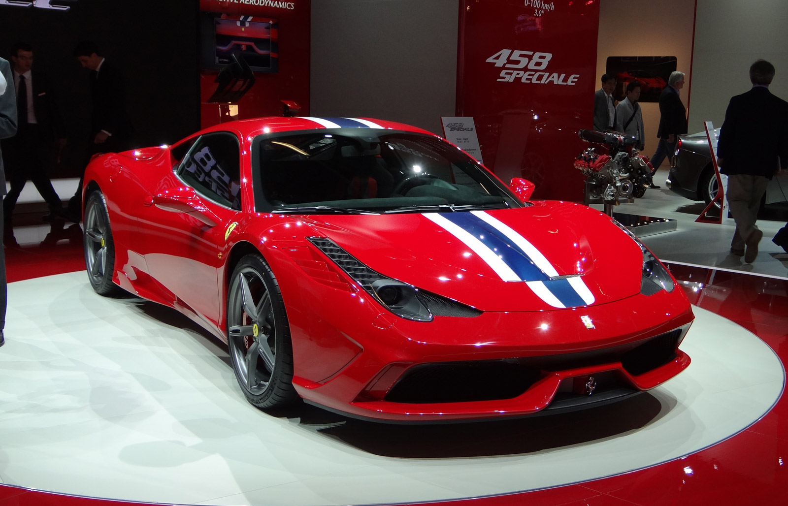 ferrari 458 speciale s technology explained through video. Black Bedroom Furniture Sets. Home Design Ideas