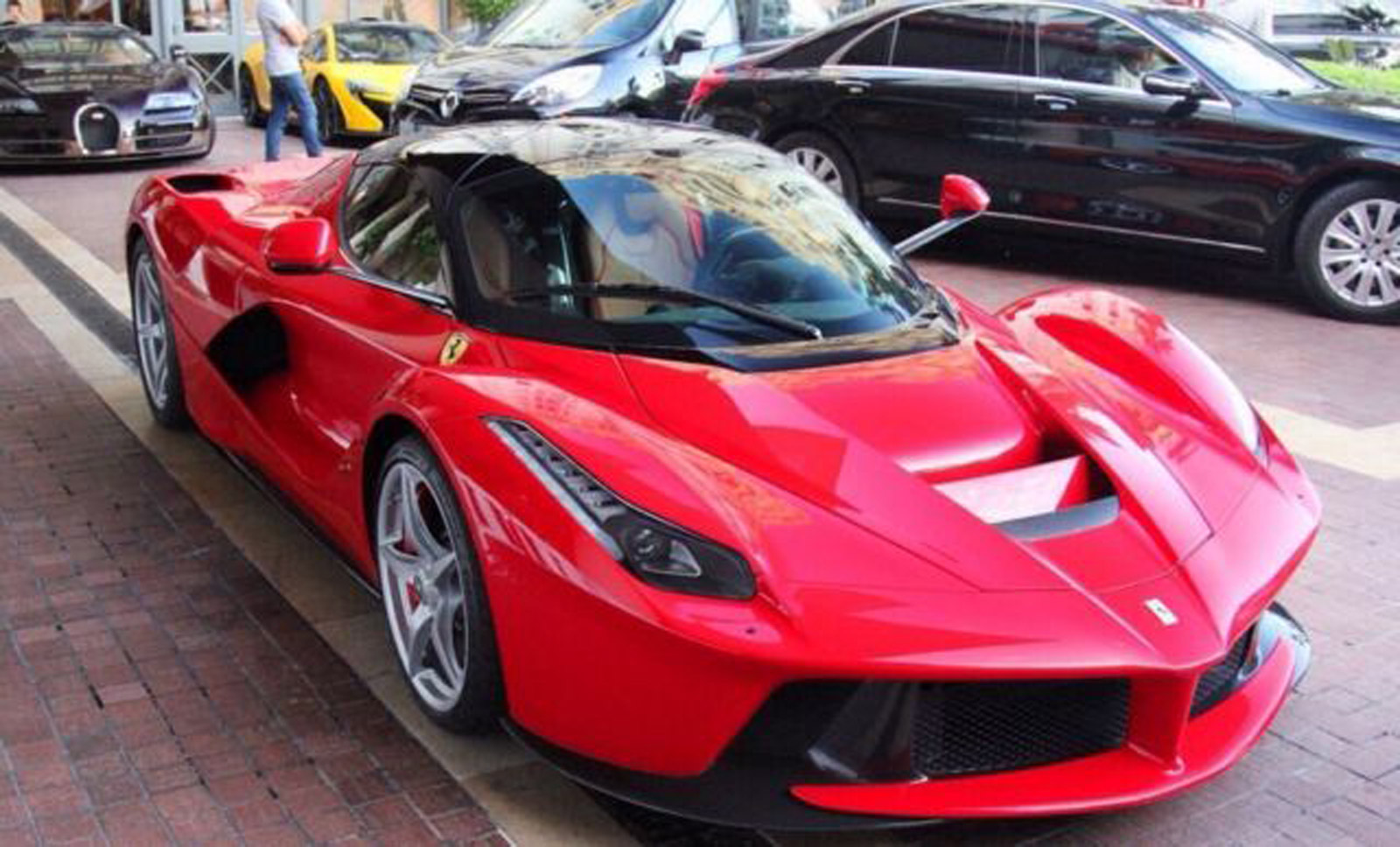 another laferrari up for sale this time in germany. Black Bedroom Furniture Sets. Home Design Ideas