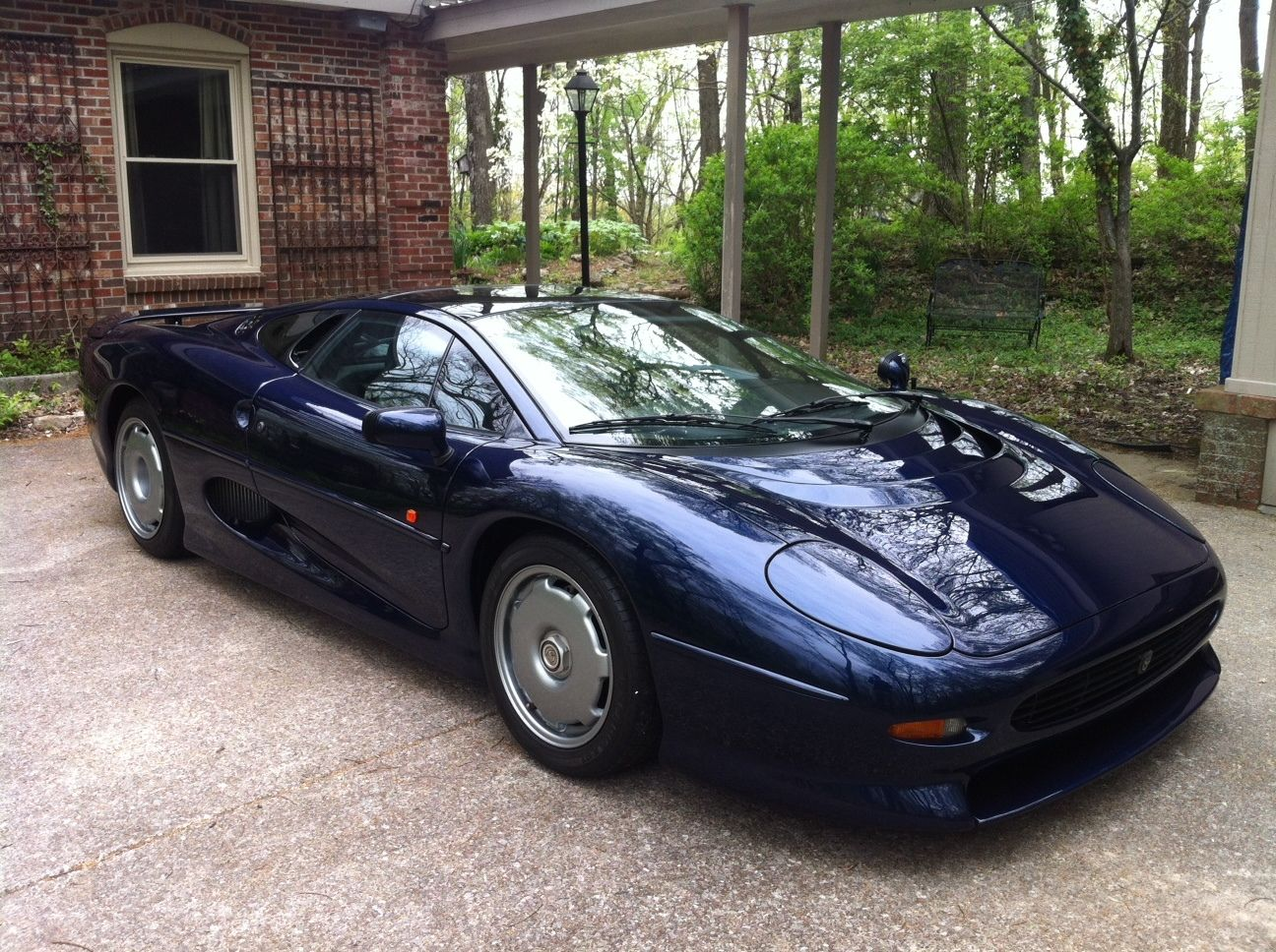 Jaguar Xj220 For Sale >> The Last Jaguar XJ220 Ever Built Is For Sale