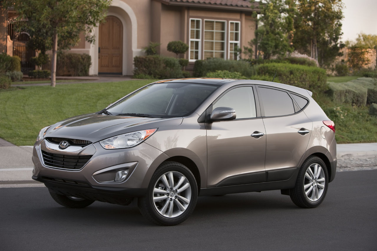 2010 hyundai tucson review ratings specs prices and photos the car connection. Black Bedroom Furniture Sets. Home Design Ideas
