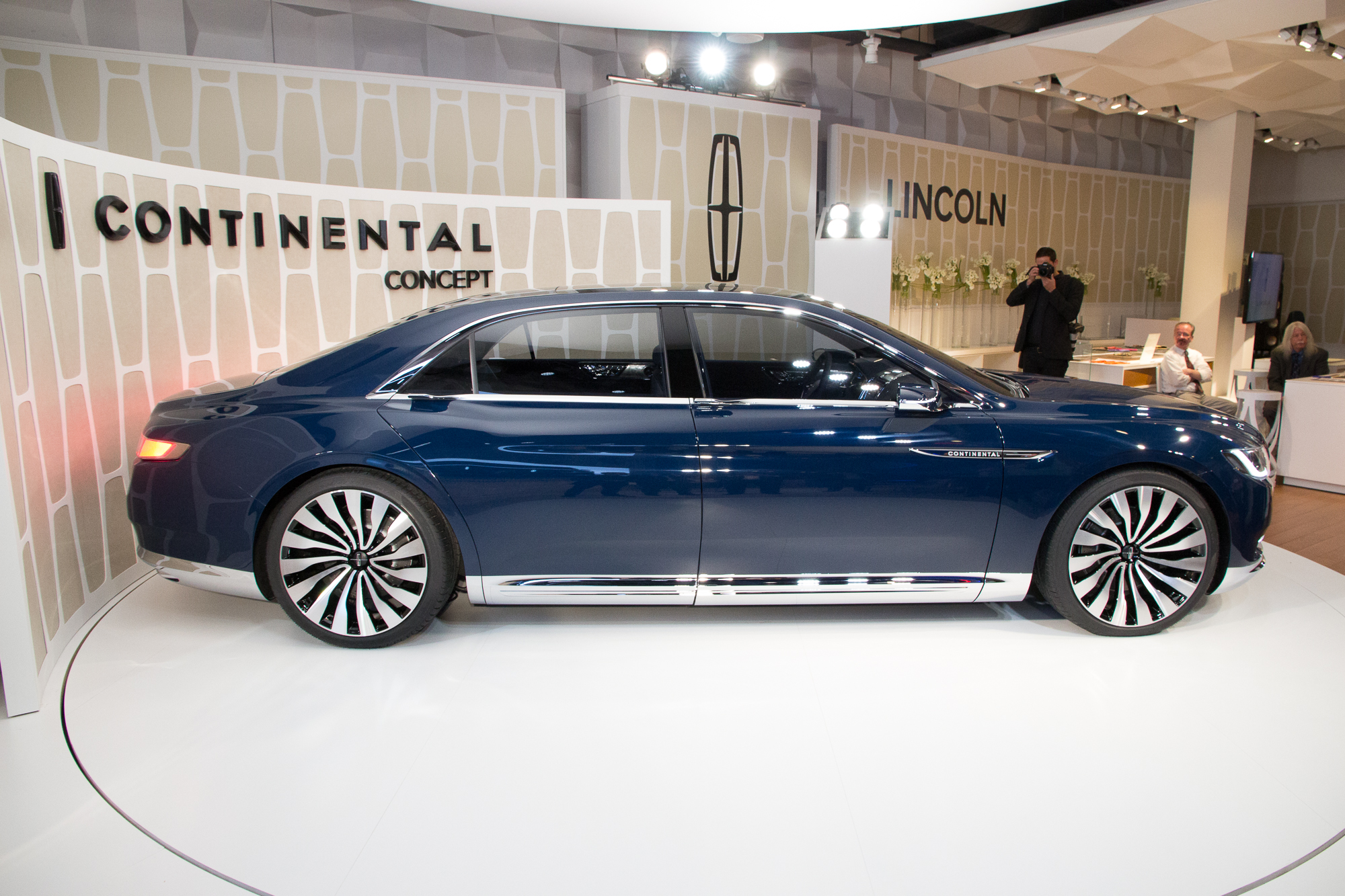 2015 - [Lincoln] Continental Lincoln-continental-concept-unveiling-new-york-city-march-29-2015_100505977_h