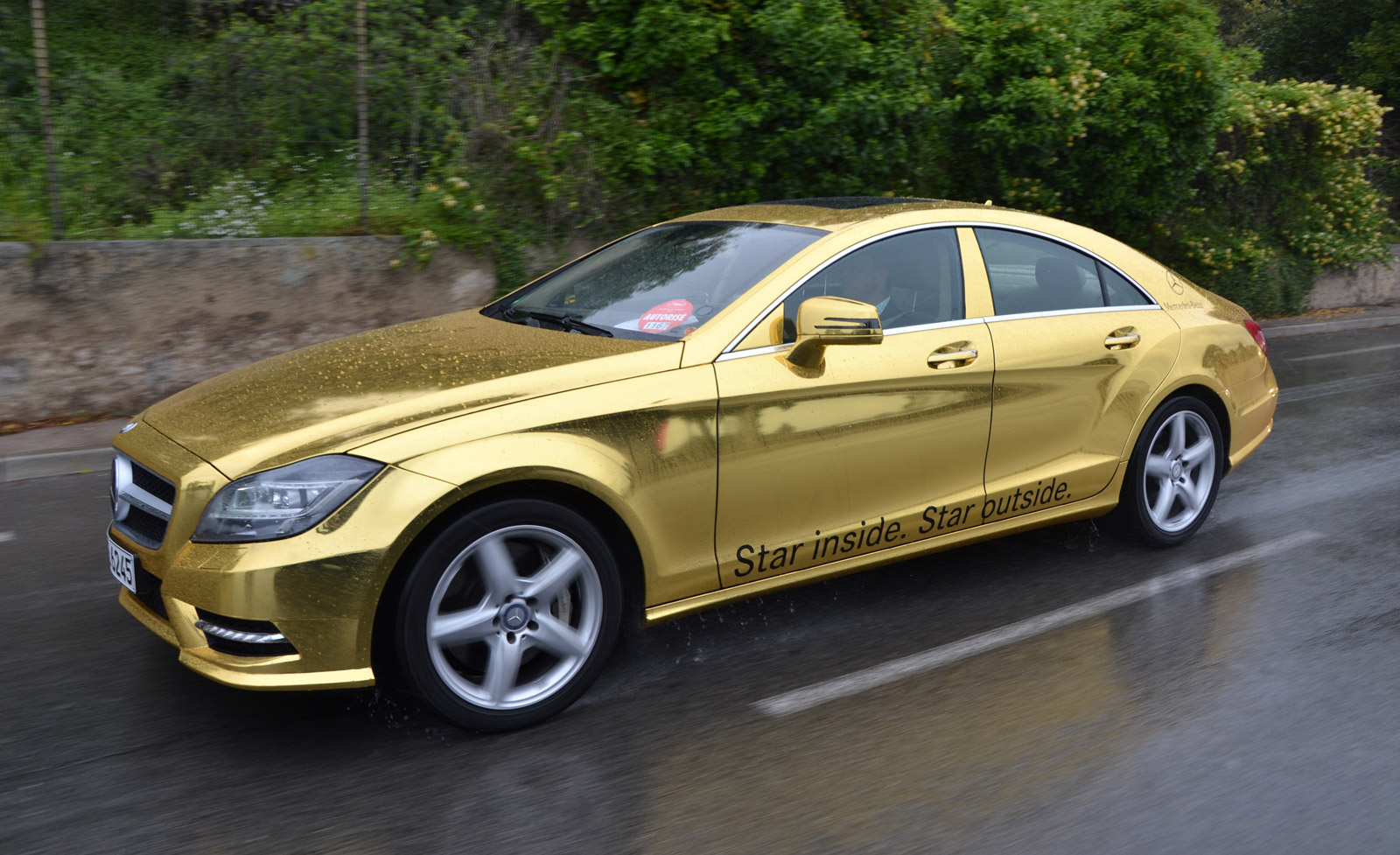 Mercedes bringing golden fleet to 2012 cannes film festival for Mercedes benz repairs