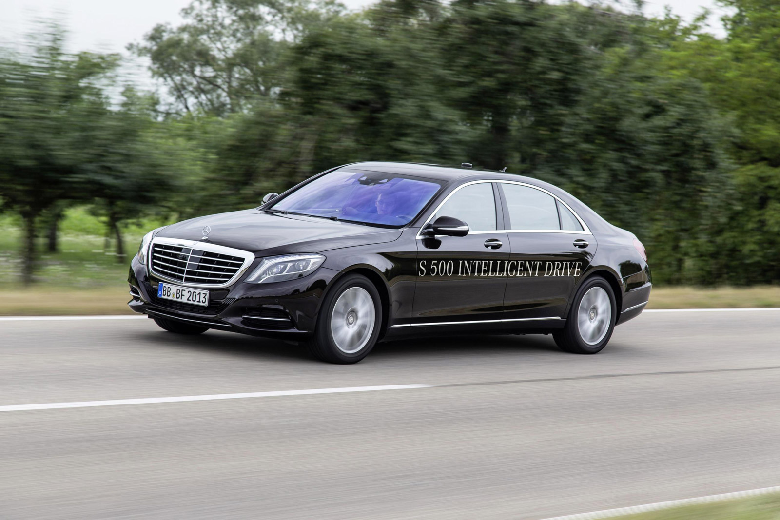 mercedes-benz-s500-intelligent-drive-pro