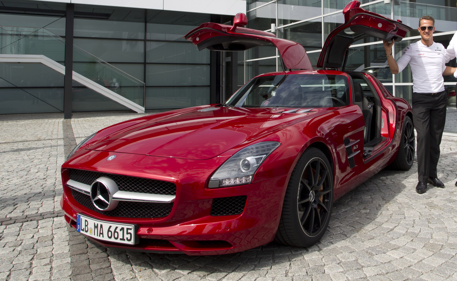 Schumacher to race f1 car against current amg lineup at for Garage schumacher metz