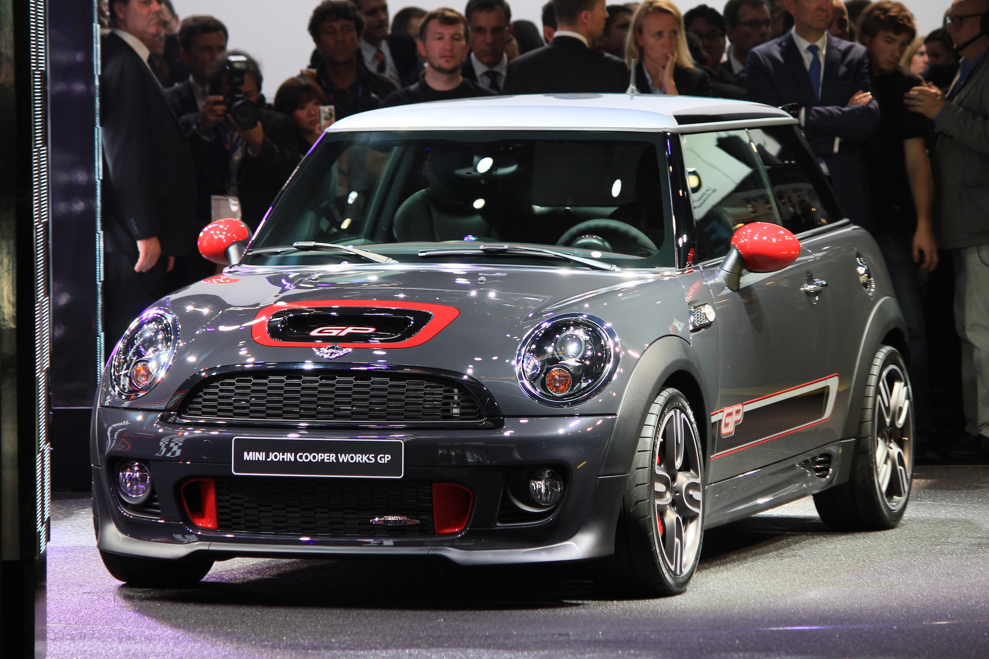 2013 mini john cooper works gp live photos 2012 paris. Black Bedroom Furniture Sets. Home Design Ideas