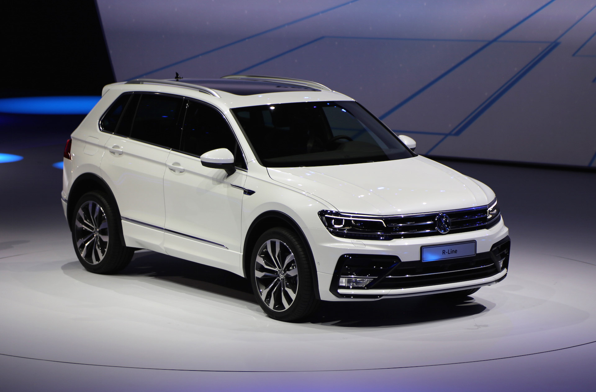new volkswagen tiguan european spec 2015 frankfurt auto show 100527677. Black Bedroom Furniture Sets. Home Design Ideas
