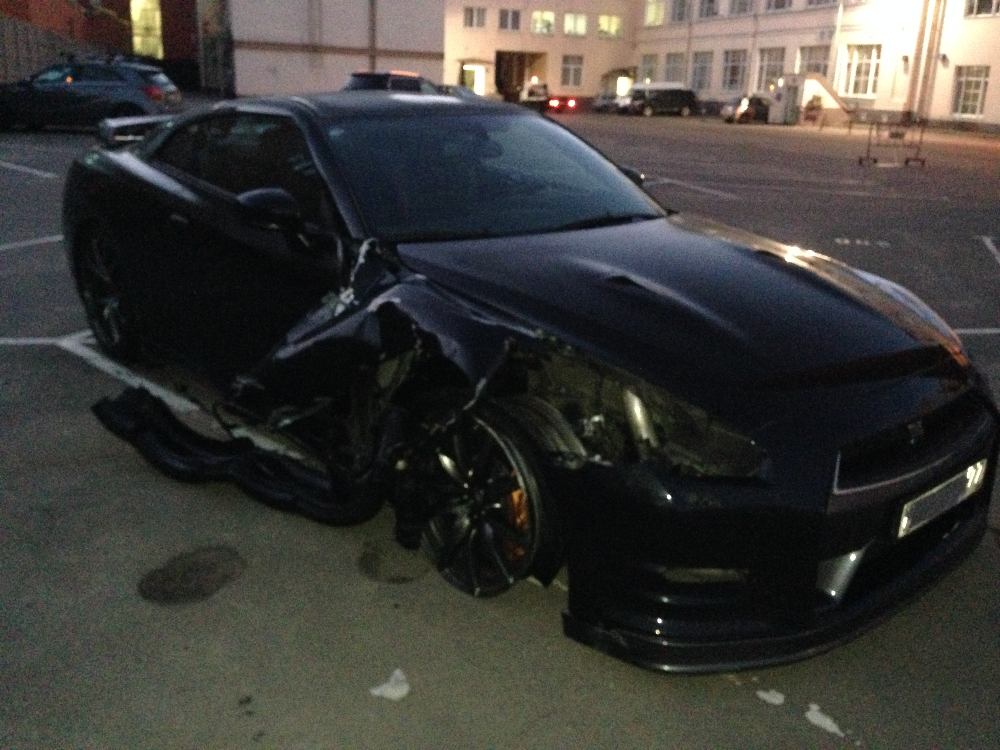 Nissan Gt R Blows A Tire At 200mph Driver Keeps It
