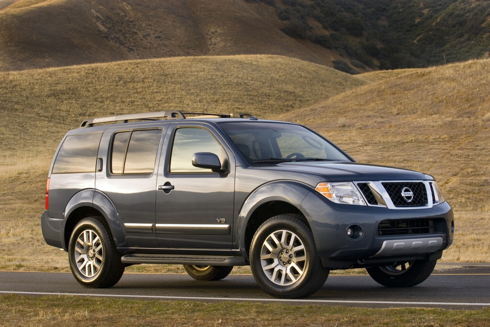 2010 Nissan Pathfinder Review Ratings Specs Prices And