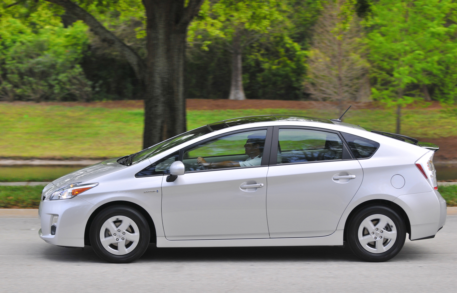 Mercedes Benz Denver >> 2010 Toyota Prius Review, Ratings, Specs, Prices, and ...