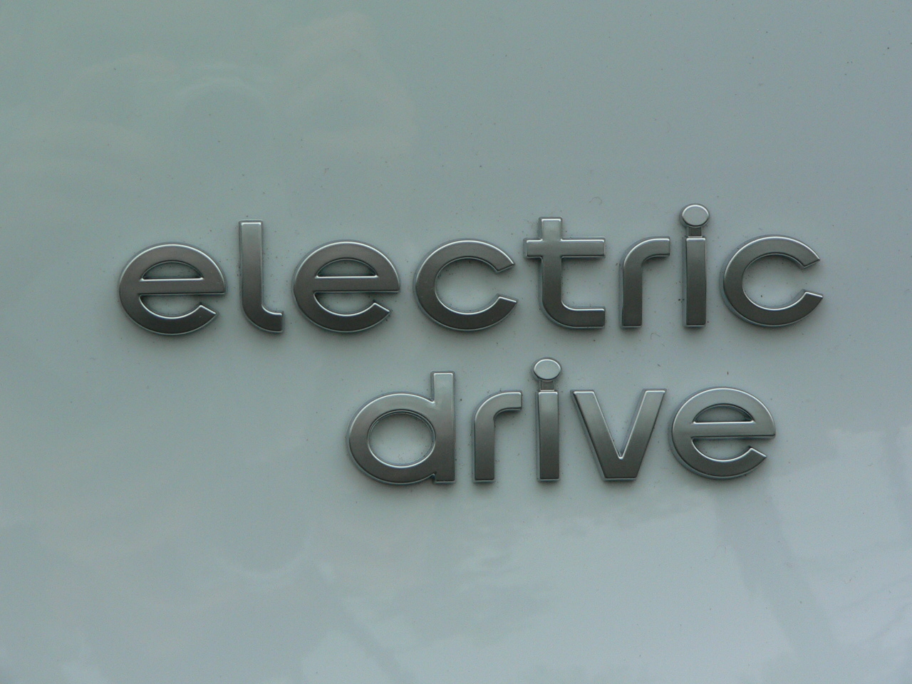 Report mercedes benz planning all electric megacity rival for All electric mercedes benz