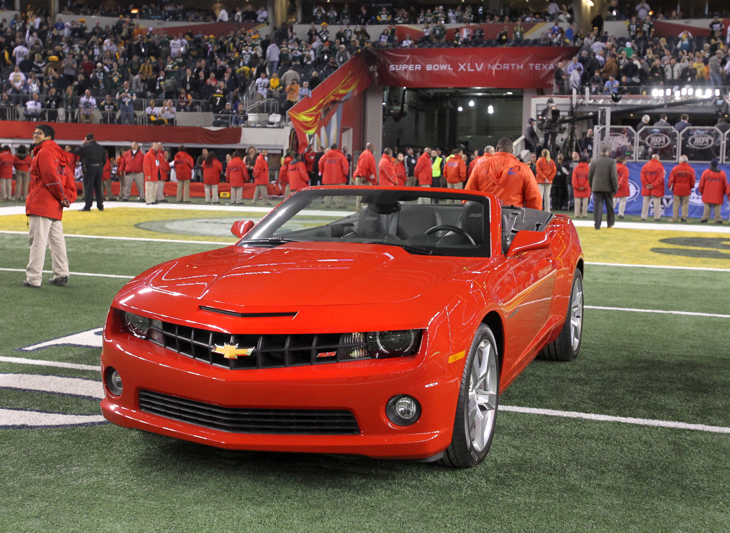 super bowl xlv mvp aaron rogers received a 2011 chevy. Black Bedroom Furniture Sets. Home Design Ideas