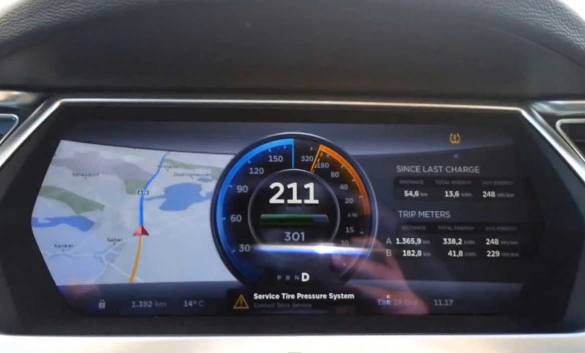 Yes A Tesla Model S Can Hit 132 Mph On The Autobahn Video