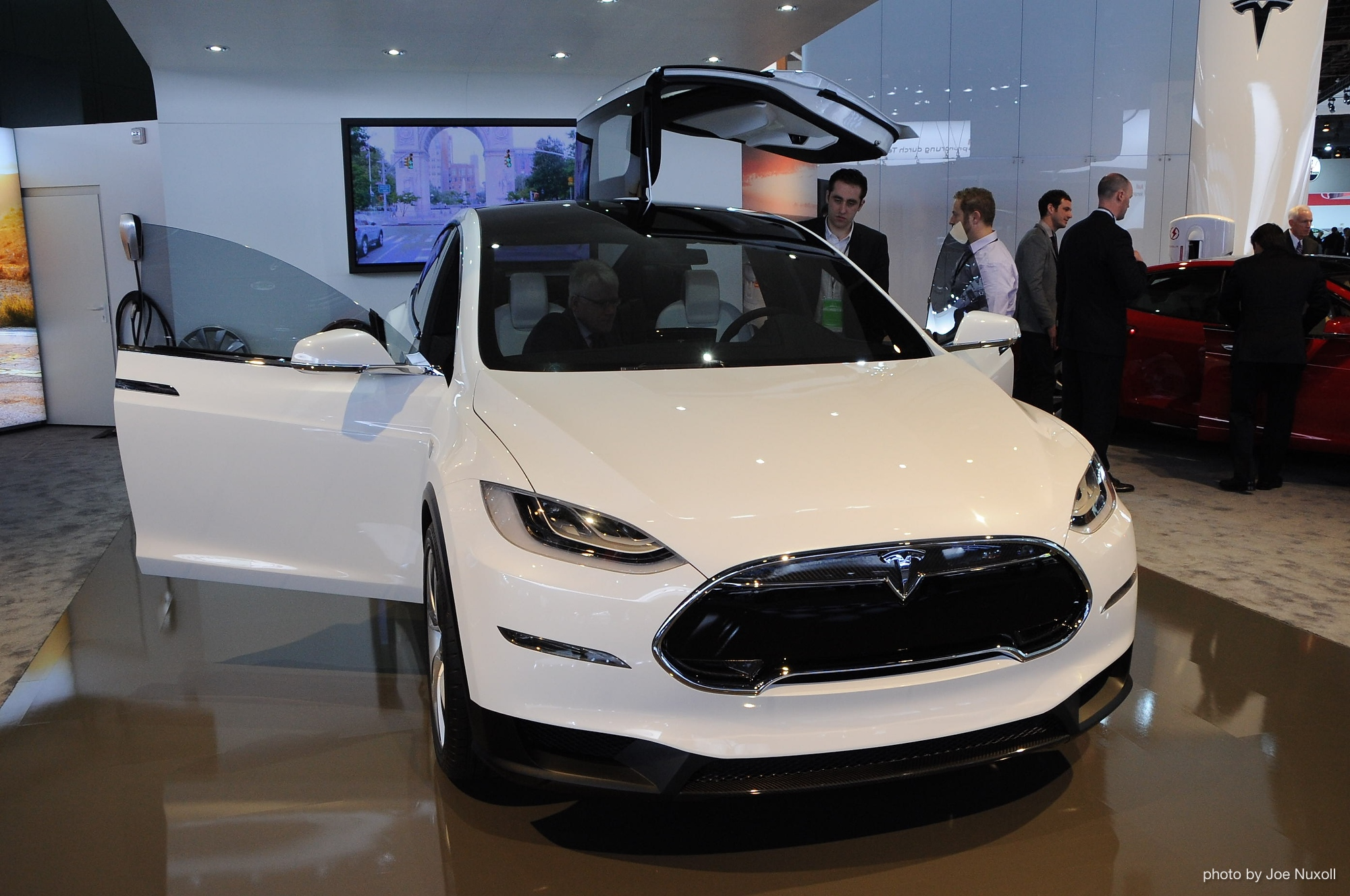 2015 Tesla Model X Will Have All Wheel Drive Only Company