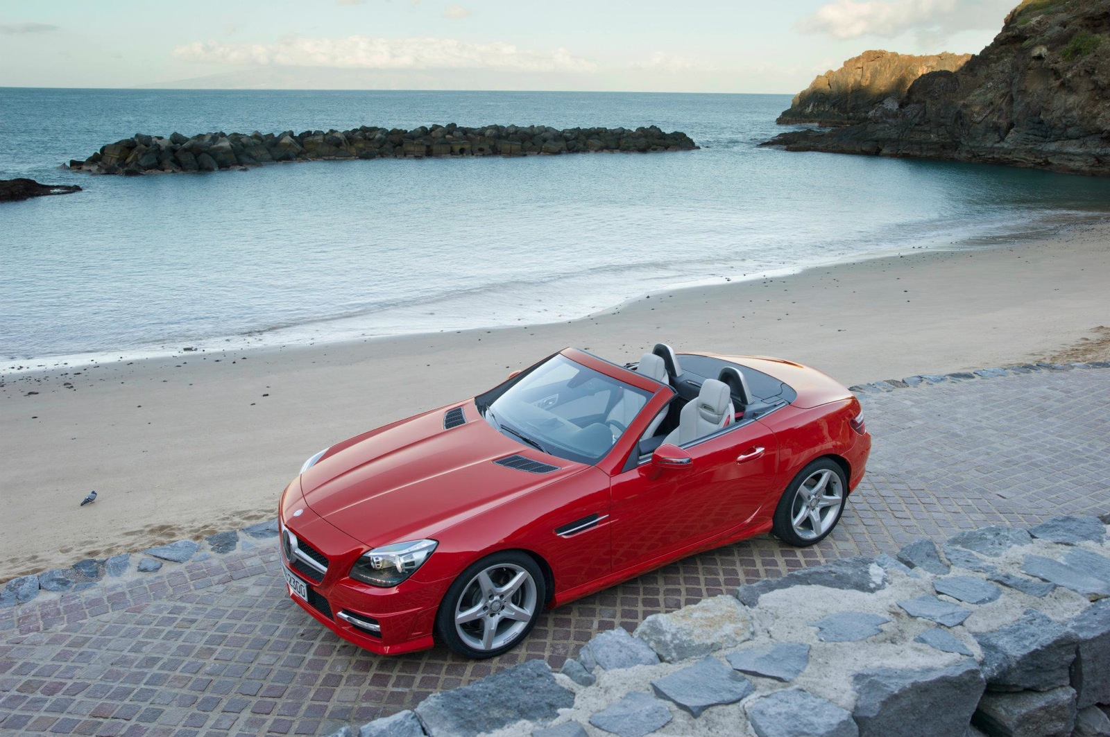 2013 mercedes benz slk class review and news motorauthority for Mercedes benz slk250