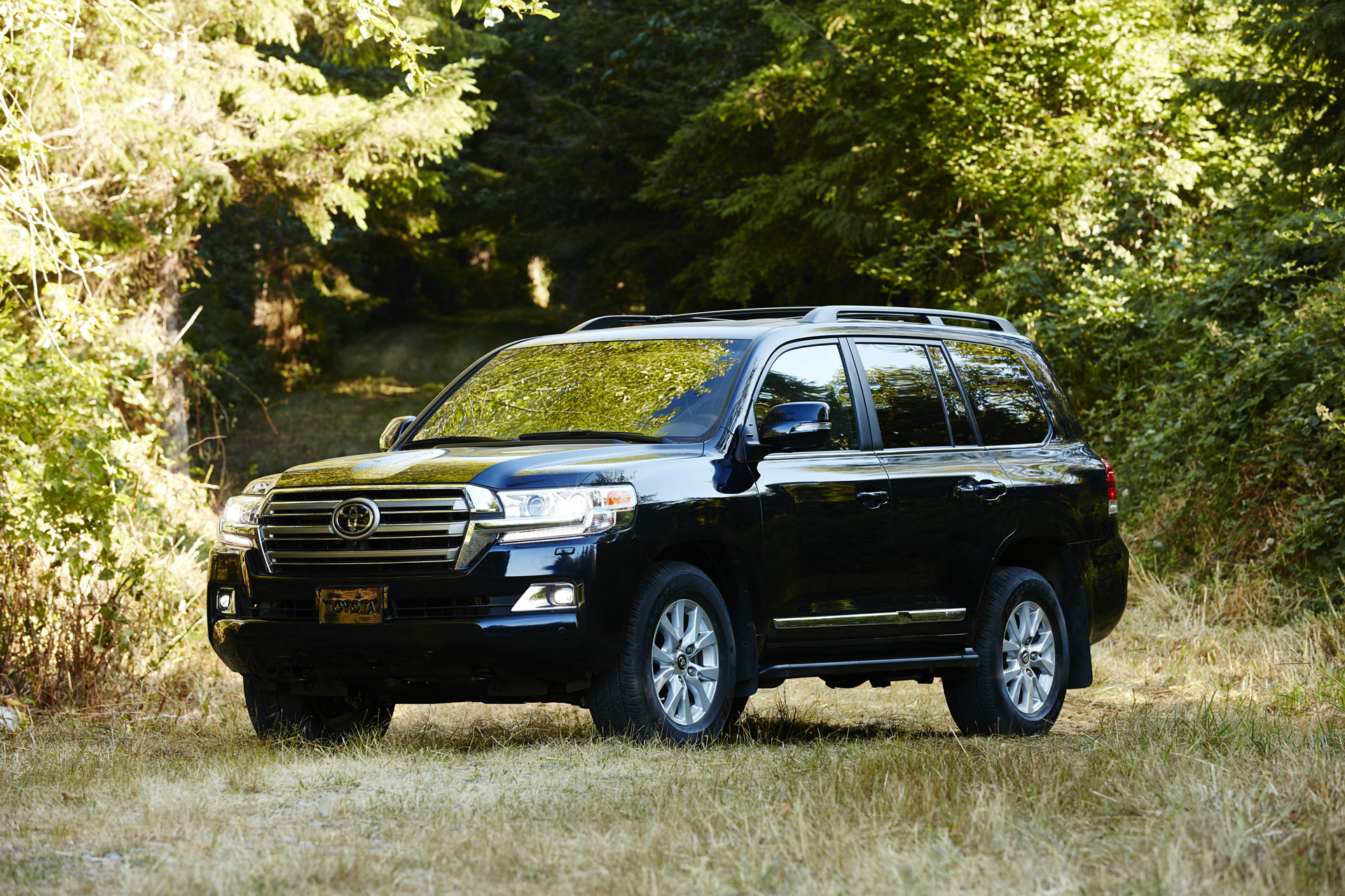 2016 toyota land cruiser gas mileage the car connection. Black Bedroom Furniture Sets. Home Design Ideas