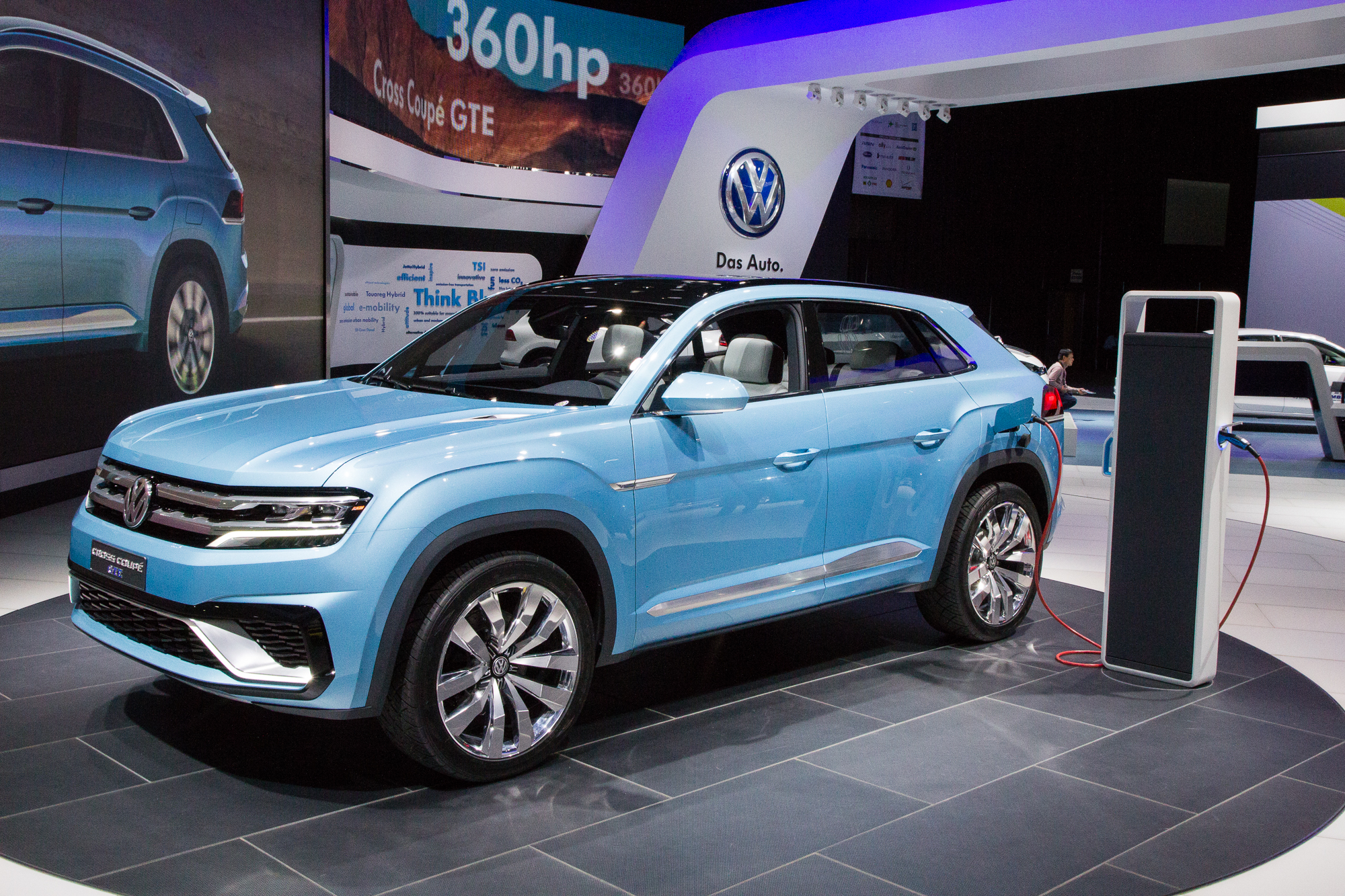 volkswagen cross coupe plug in hybrid concept mid size suv previewed for 2016. Black Bedroom Furniture Sets. Home Design Ideas