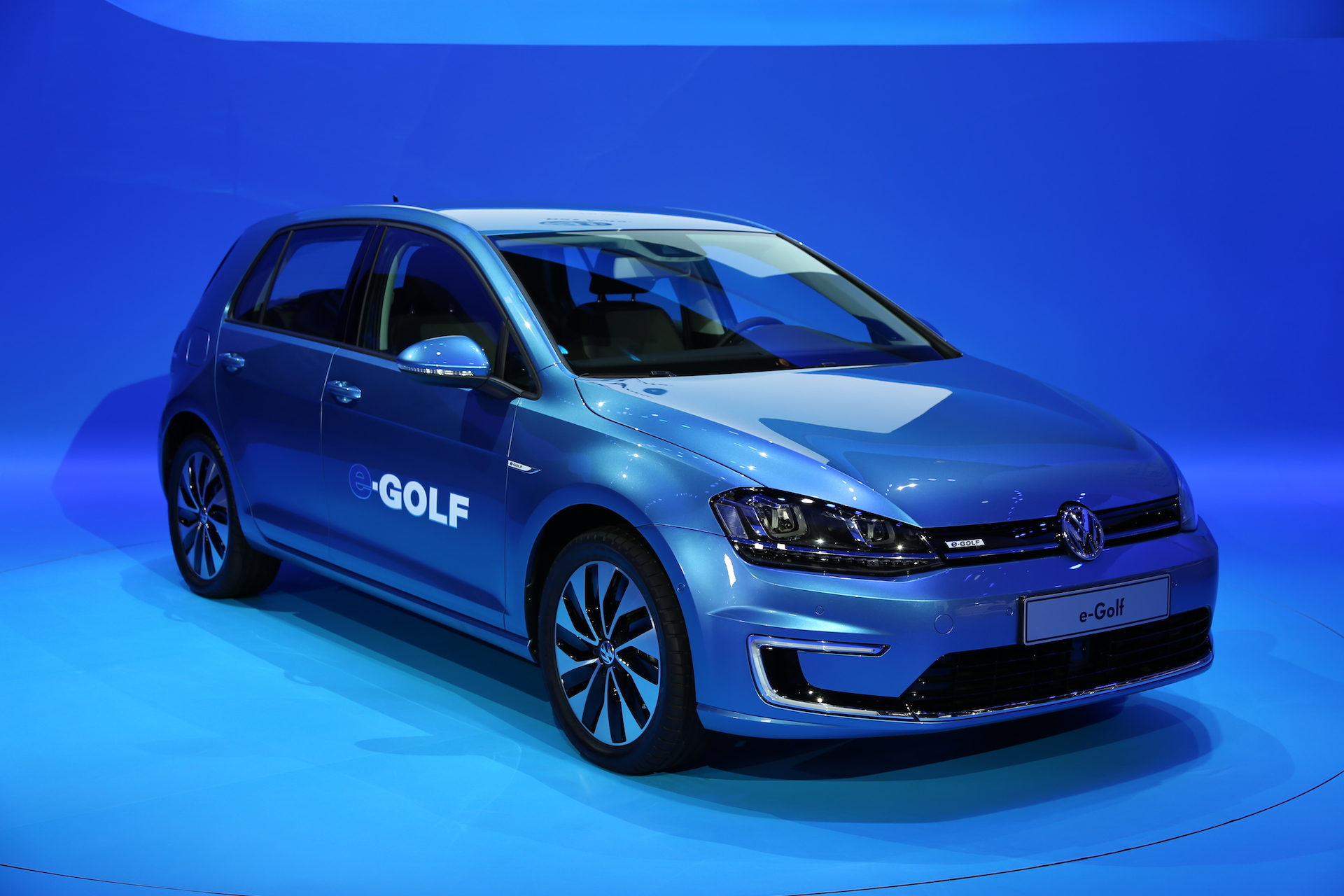 volkswagen to triple battery capacity with lithium air technology. Black Bedroom Furniture Sets. Home Design Ideas