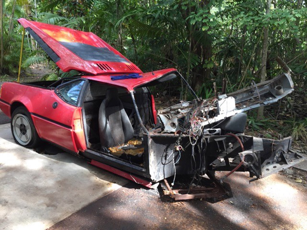 bmw m1 wrecked 30 years ago up for sale. Black Bedroom Furniture Sets. Home Design Ideas
