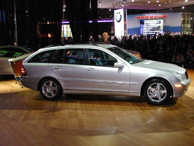 2002 mercedes benz c class pictures photos gallery the car connection. Black Bedroom Furniture Sets. Home Design Ideas