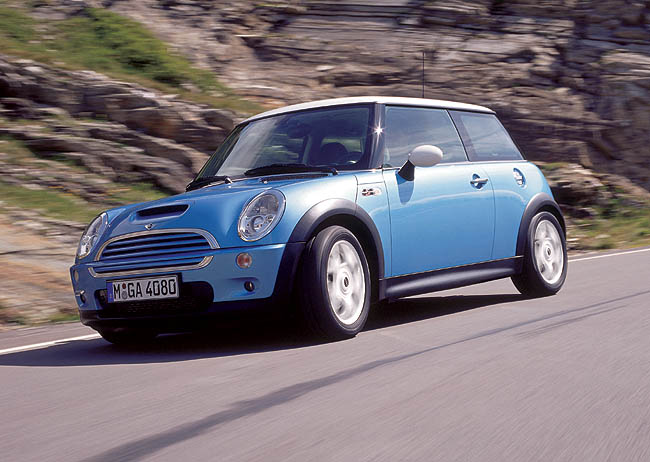 2002 mini cooper pictures photos gallery motorauthority. Black Bedroom Furniture Sets. Home Design Ideas